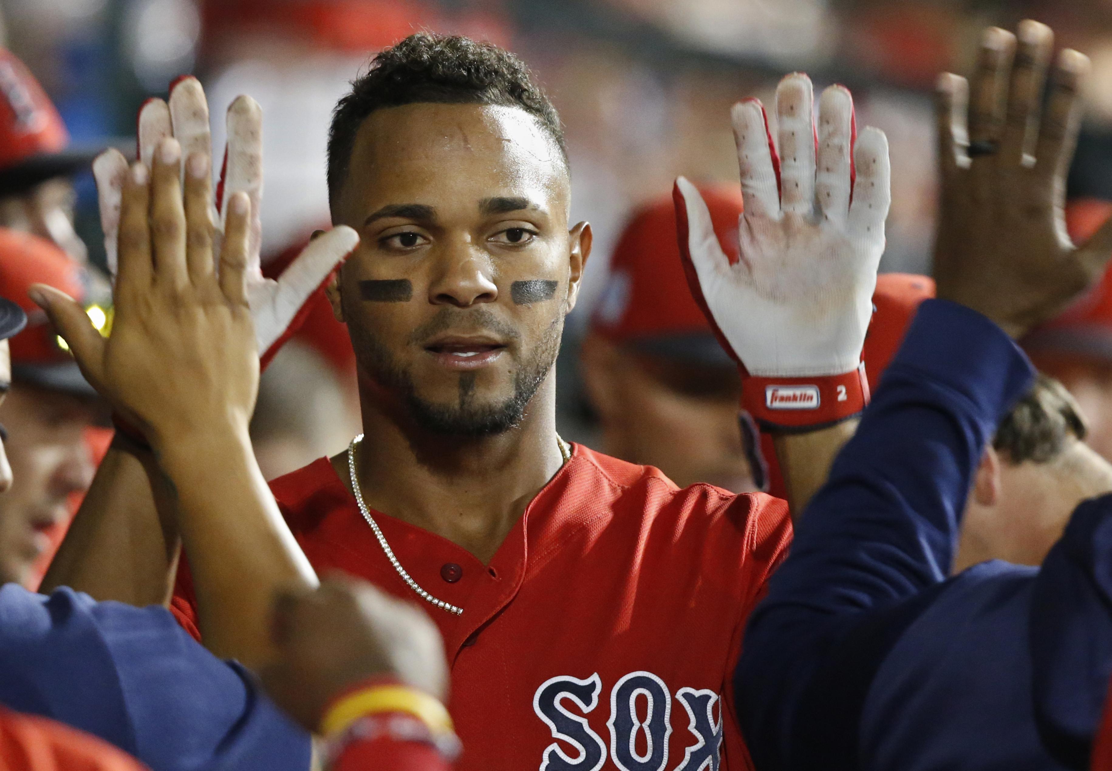 AP source: Red Sox, Bogaerts agree at $132M through 2025