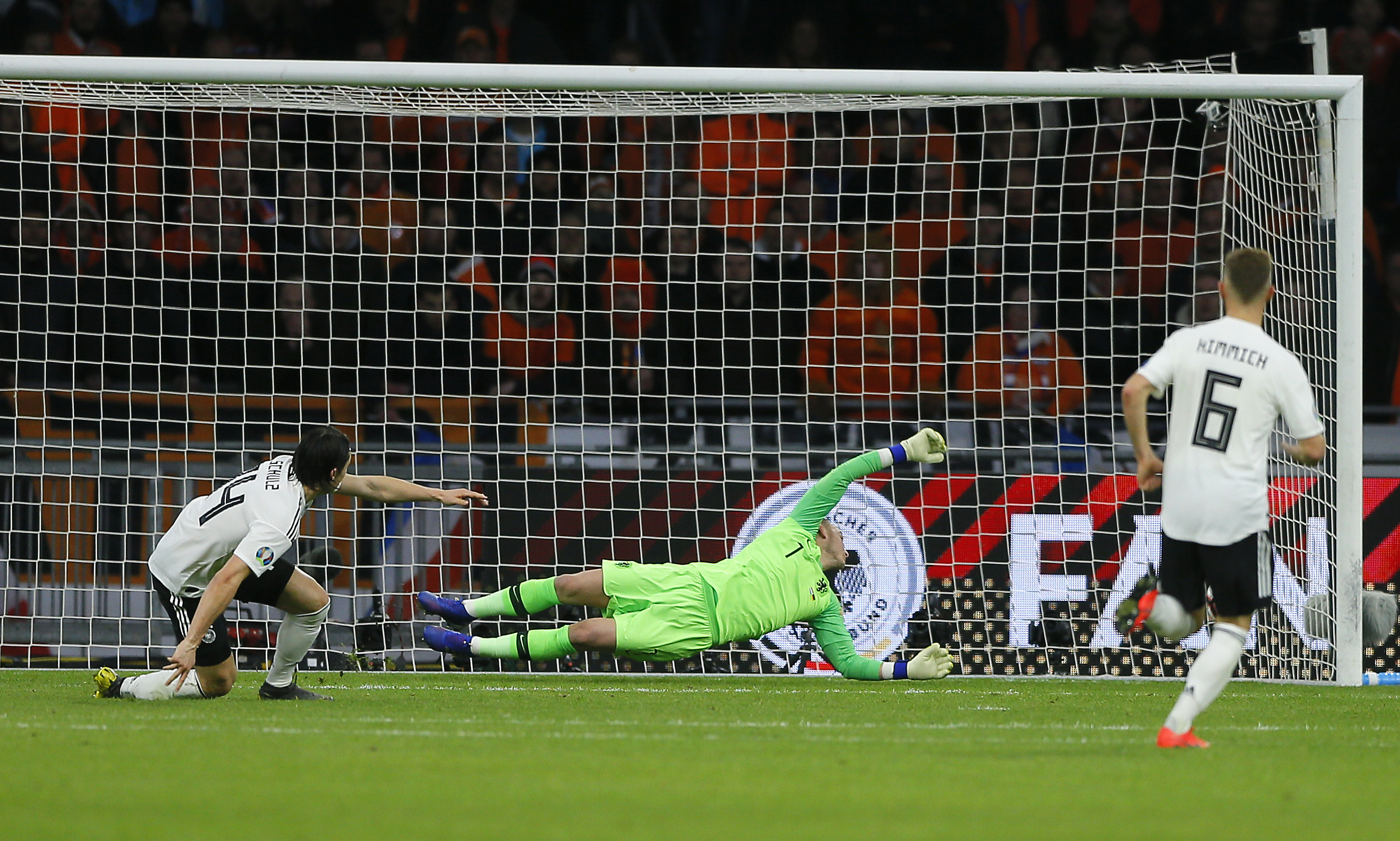 Schulz grabs late winner as Germany beats Netherlands 3-2
