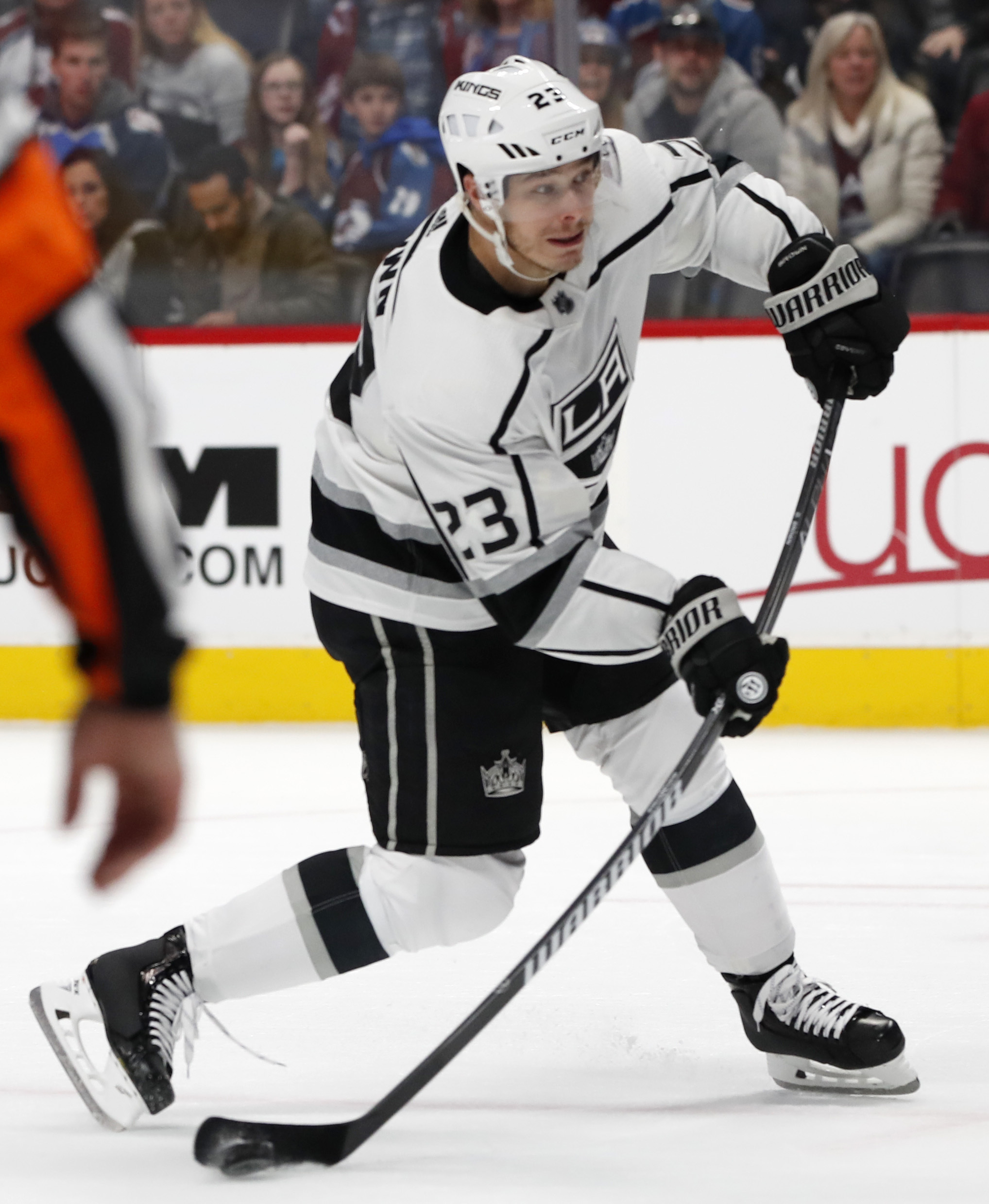 Brown's overtime goal lifts Kings past Avalanche 3-2