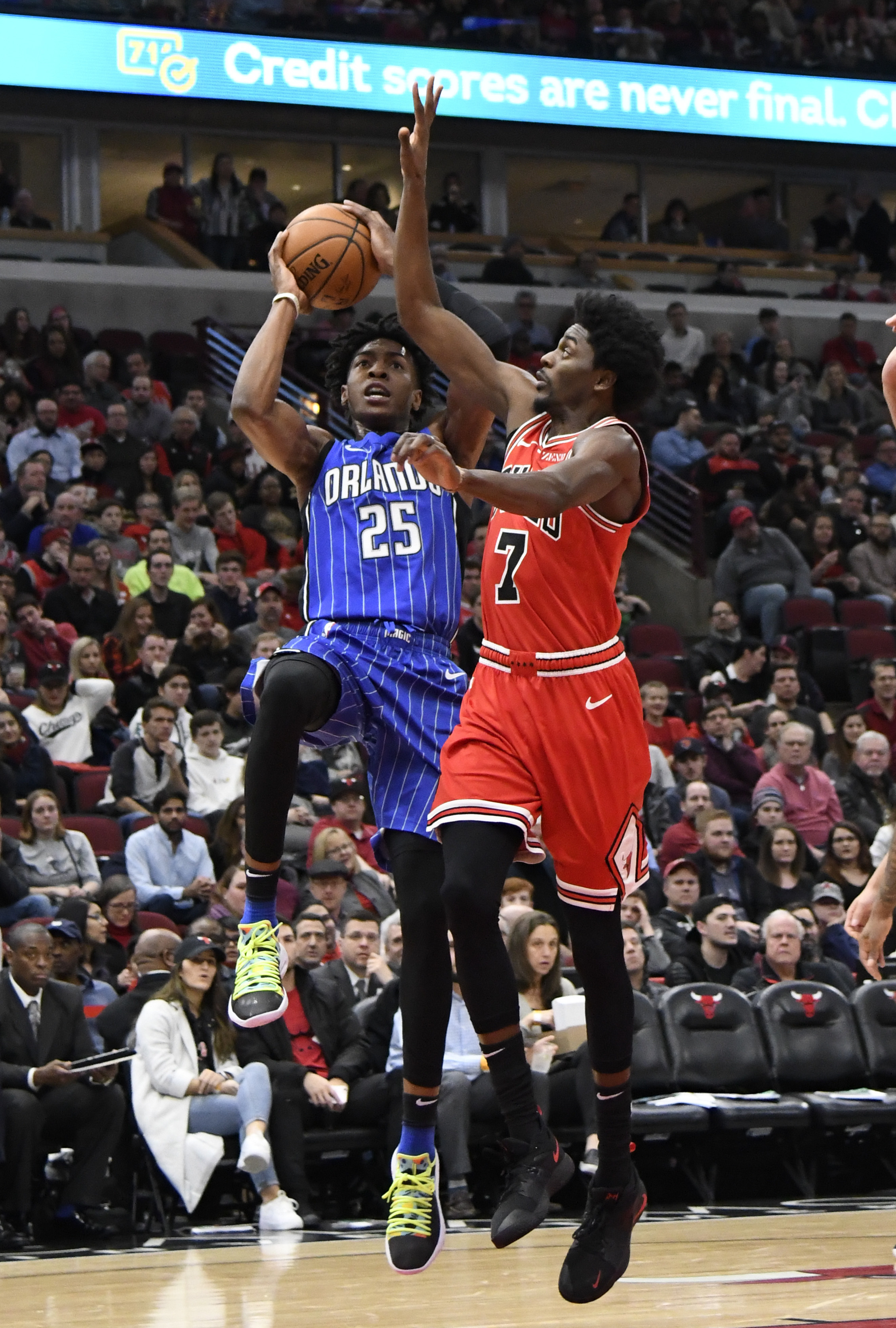 AP Source: Grizzlies acquire Holiday from Bulls