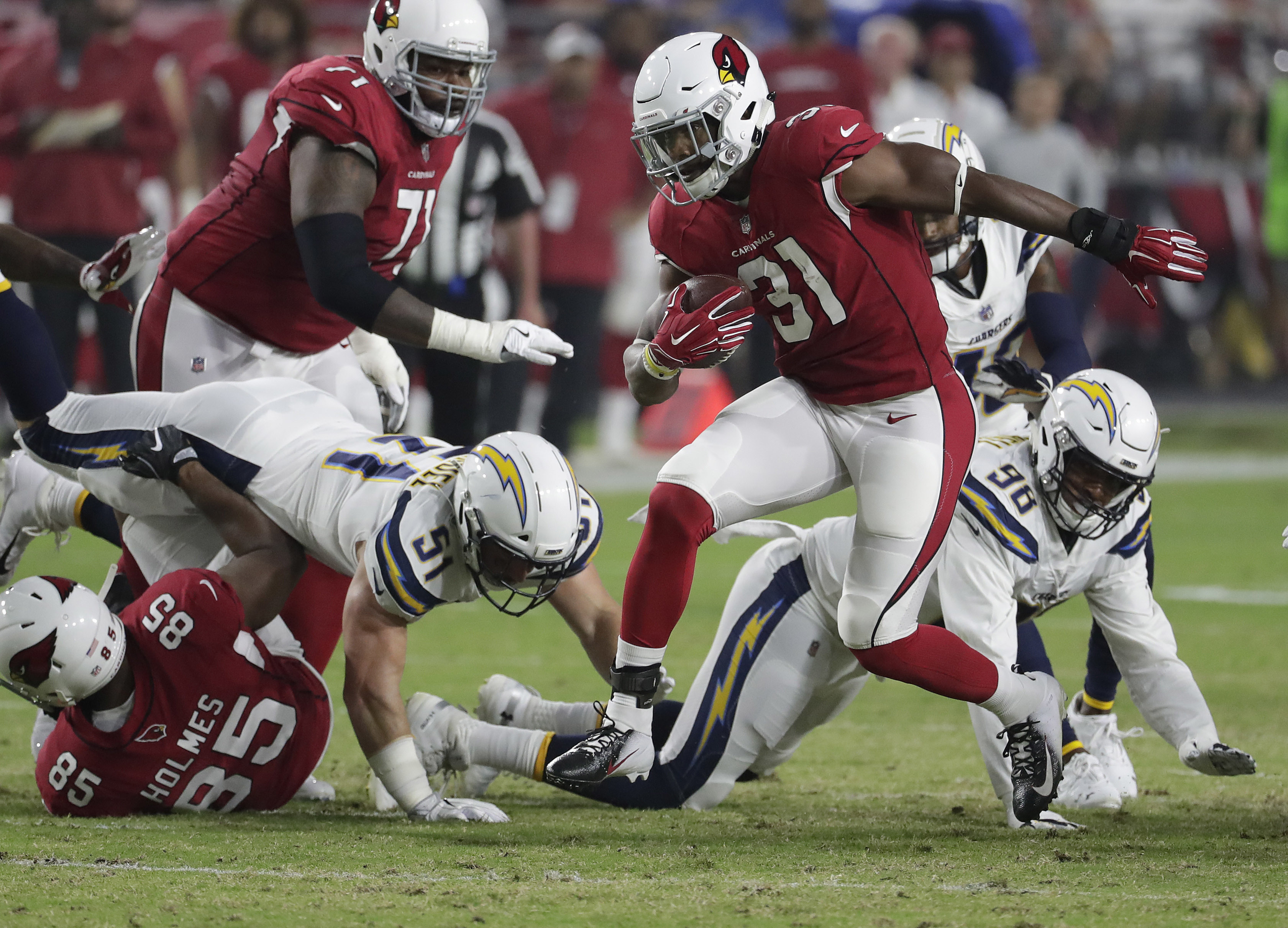 Cardinals sign David Johnson to contract extension