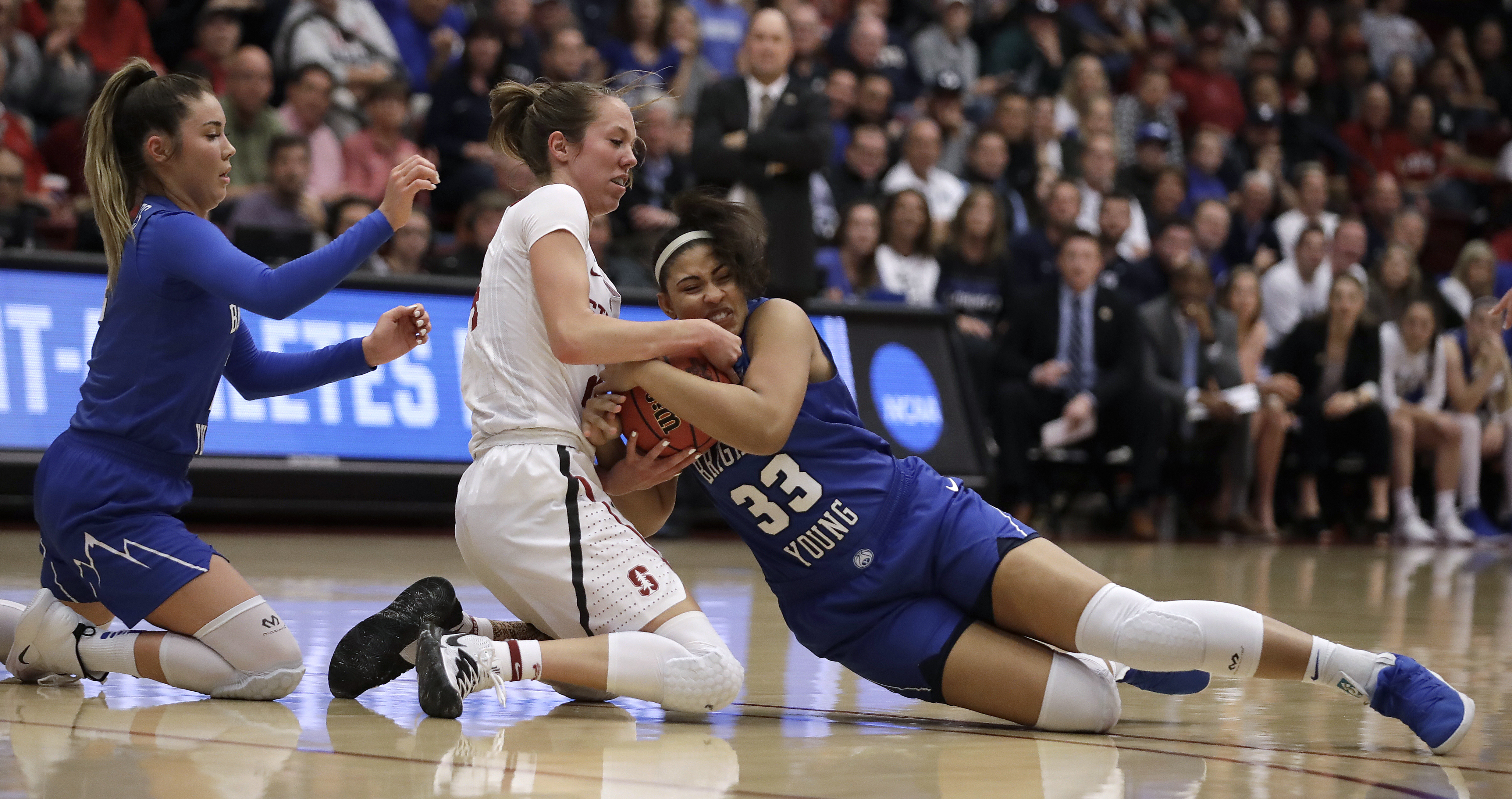 Smith heats up in second half, Stanford back to Sweet 16
