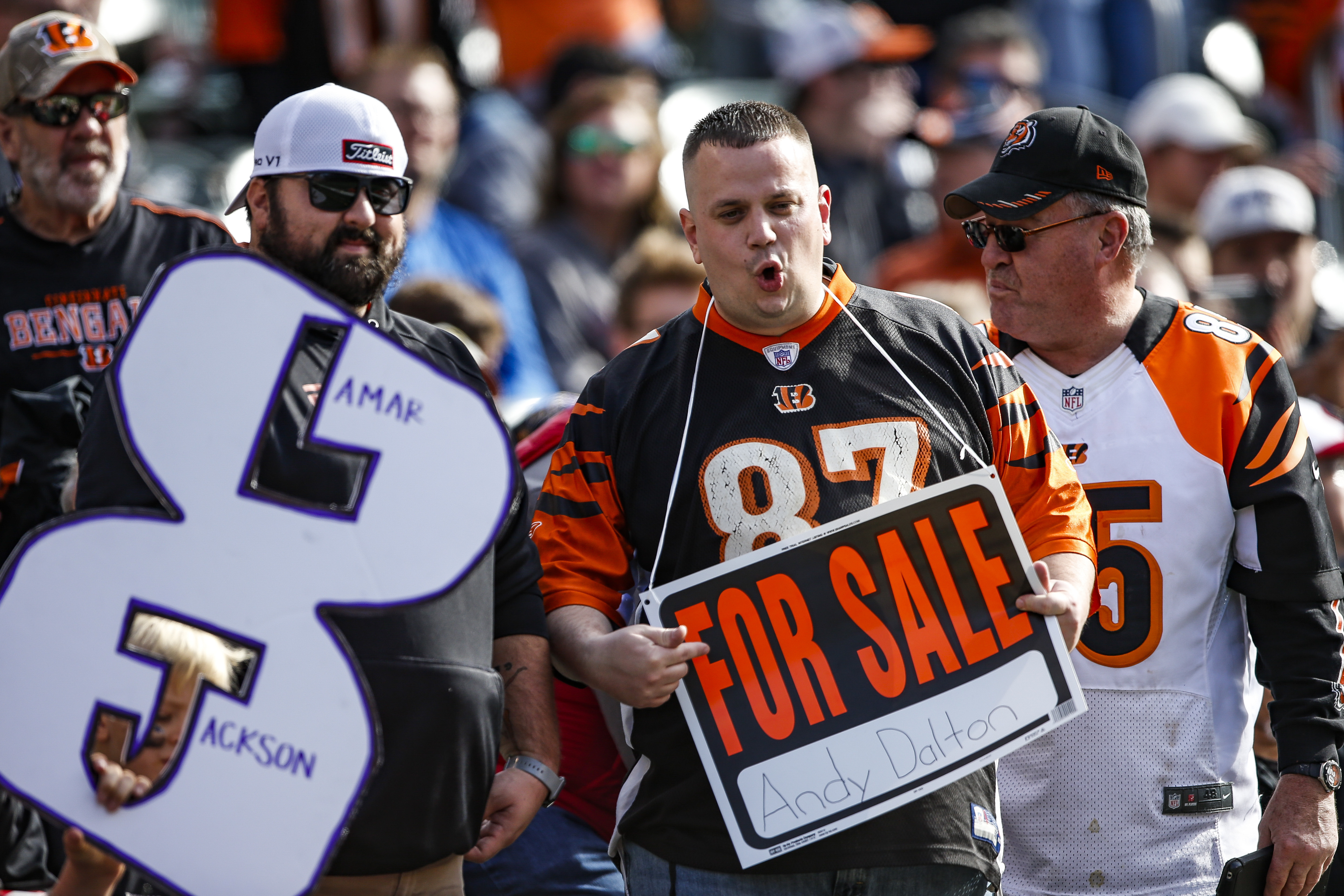 Finley struggles in debut, Bengals remain only winless team