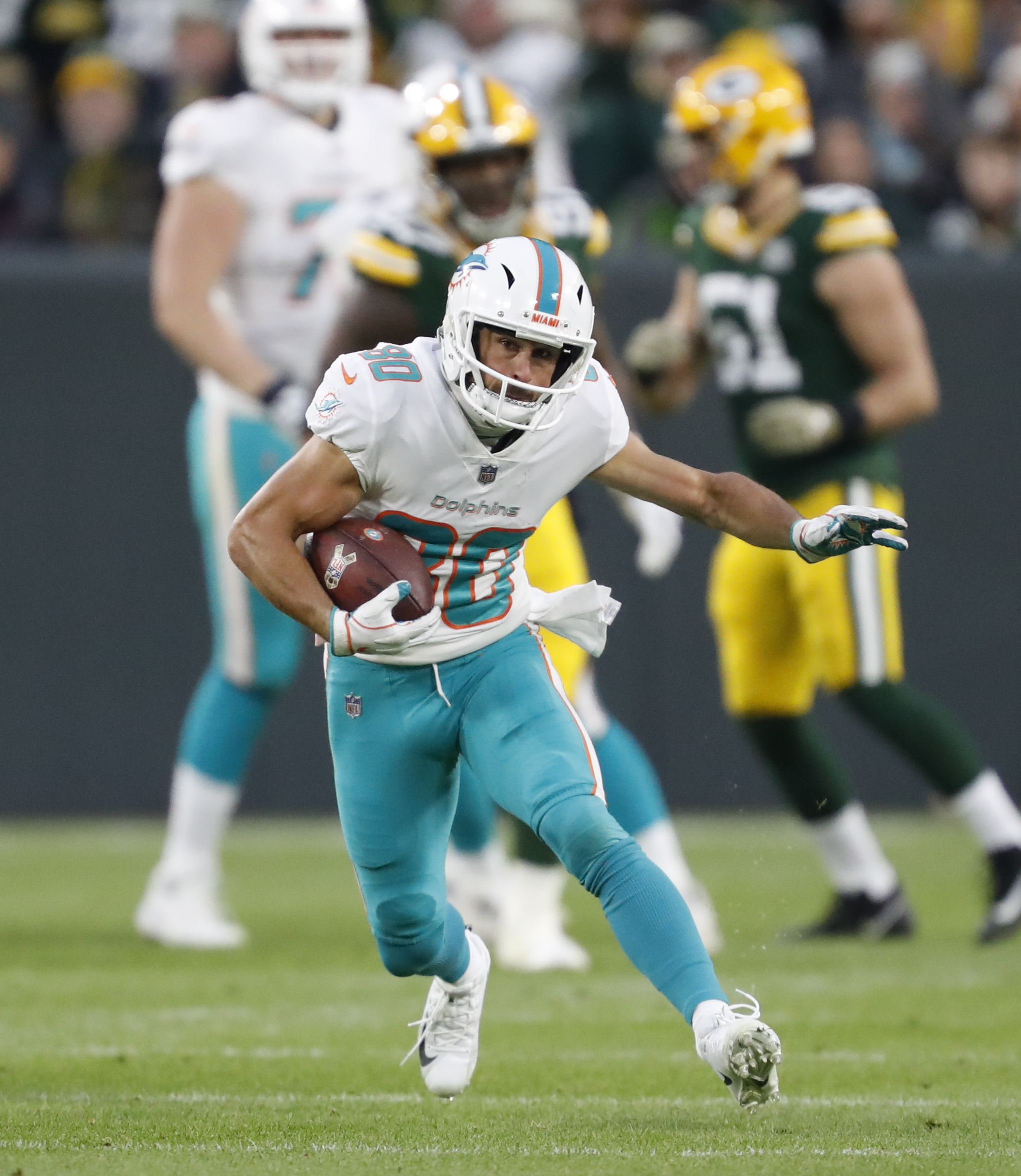 Lions sign WR Danny Amendola to fill Golden Tate's old role
