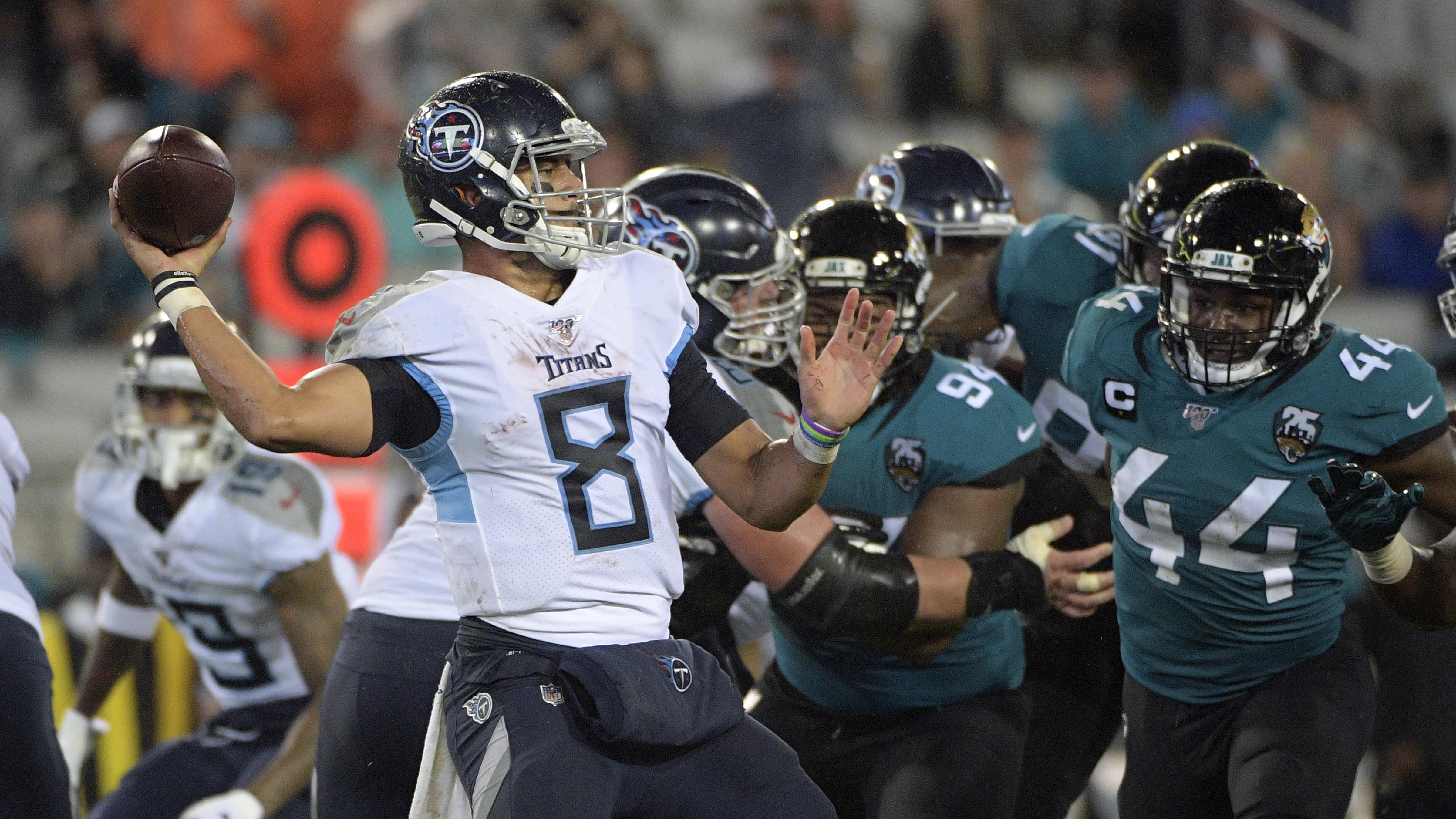 Pressure building for Titans quarterback Mariota to perform