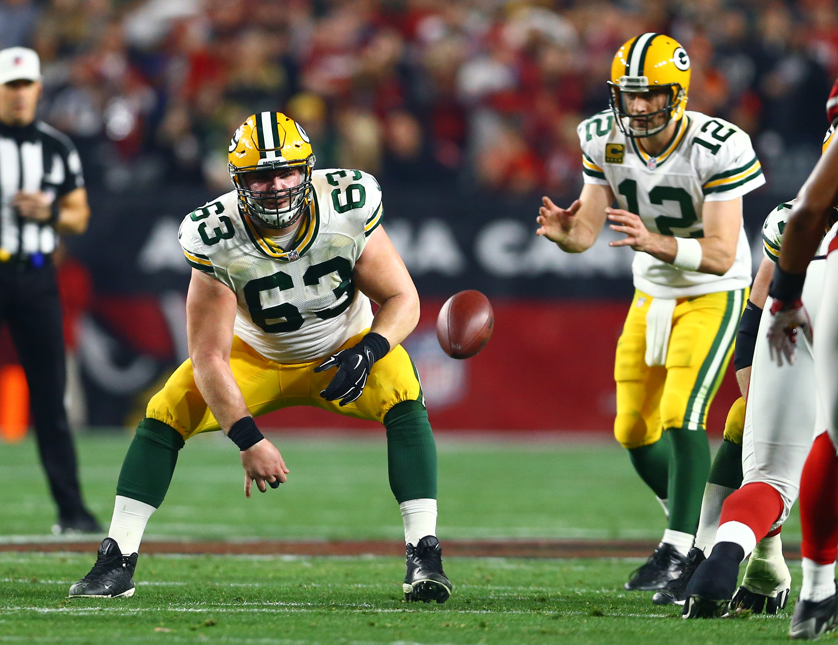 Green Bay Packers: Trust Corey Linsley at Center
