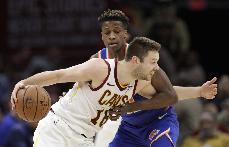 Hood's late basket sends Cavs past Knicks 113-106