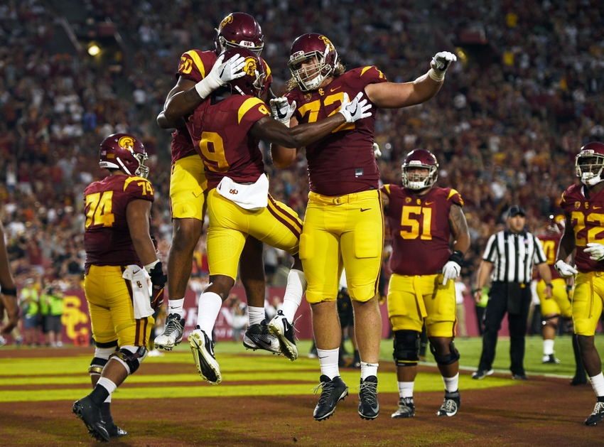 USC Football Players Share 2017 New Year's Resolutions