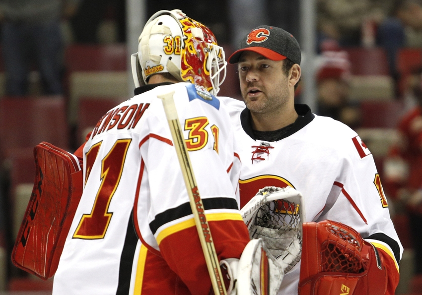 Calgary Flames: Brian Elliott vs Chad Johnson Debate