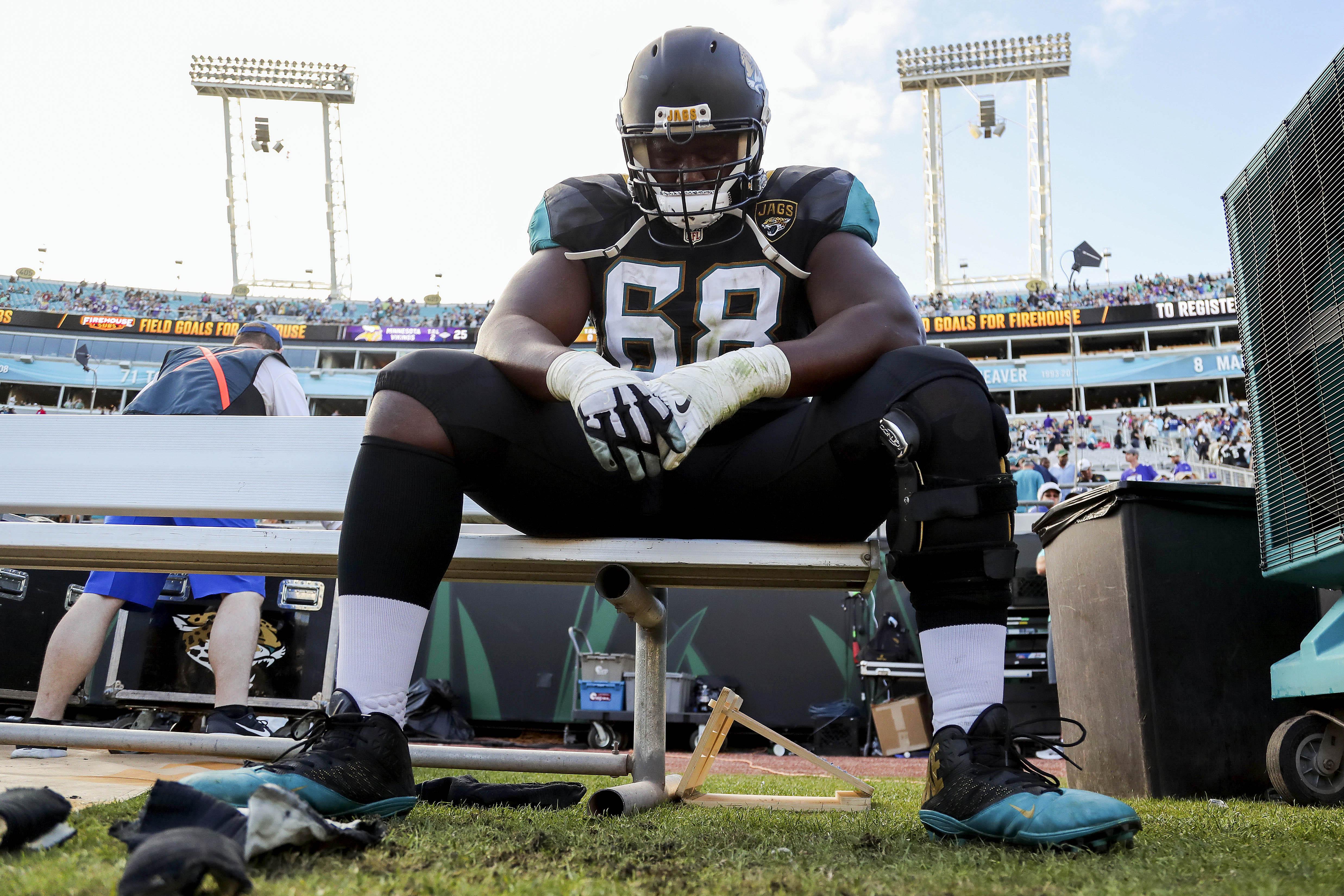 Kelvin Beachum: Jacksonville Jaguars should pick up his option
