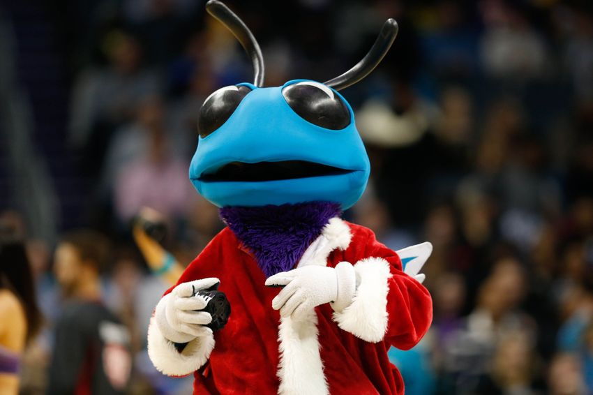 Buzz City Beat: Kemba's All-Star Case, Charlotte Hornets' Sessions Gives Back