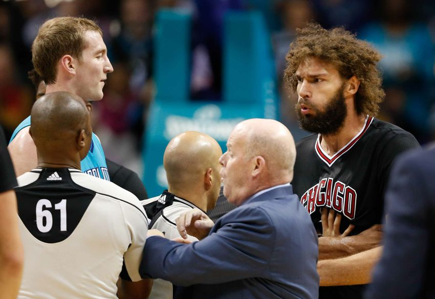 Buzz City Beat: Charlotte Hornets Keep Their Cool Against Chicago, Batum a Top Int. Player