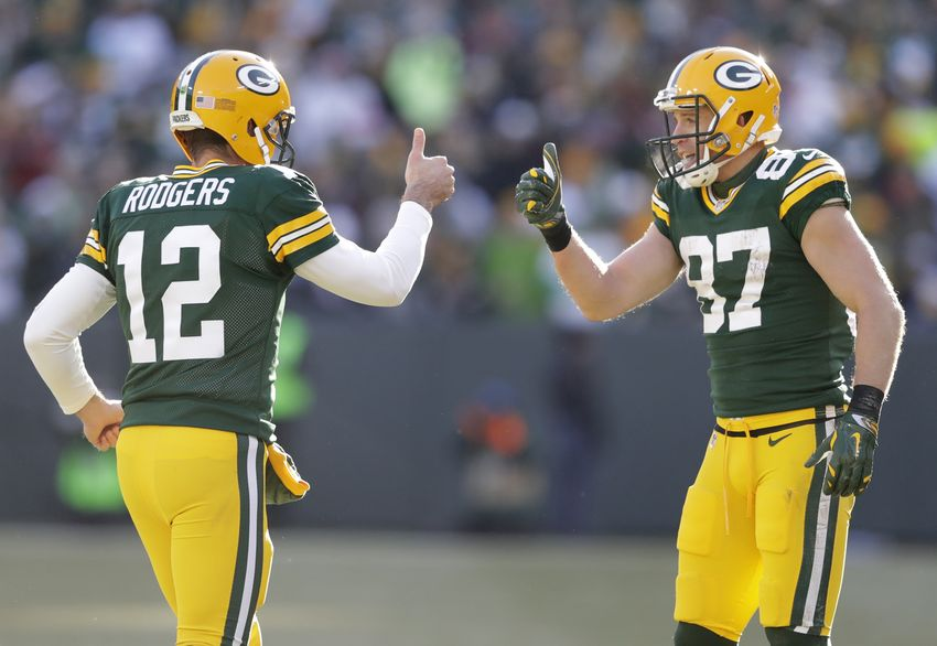 Green Bay Packers blowout Minnesota Vikings to set up NFC North decider