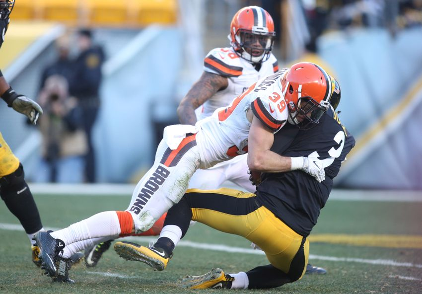 Cleveland Browns drop season finale to Pittsburgh Steelers, 27-24