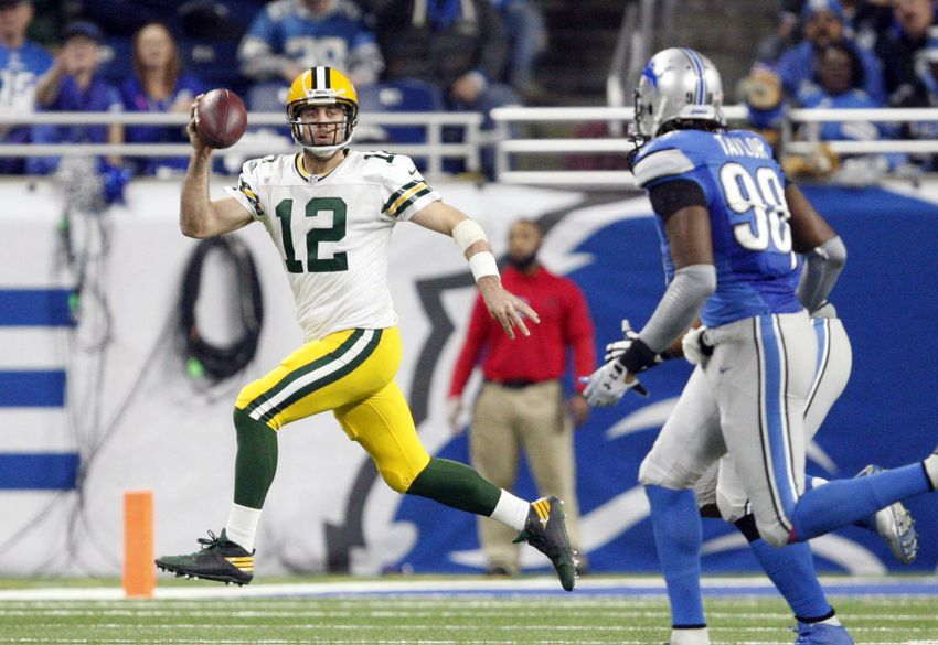 Aaron Rodgers: Leads Green Bay Packers to another division title