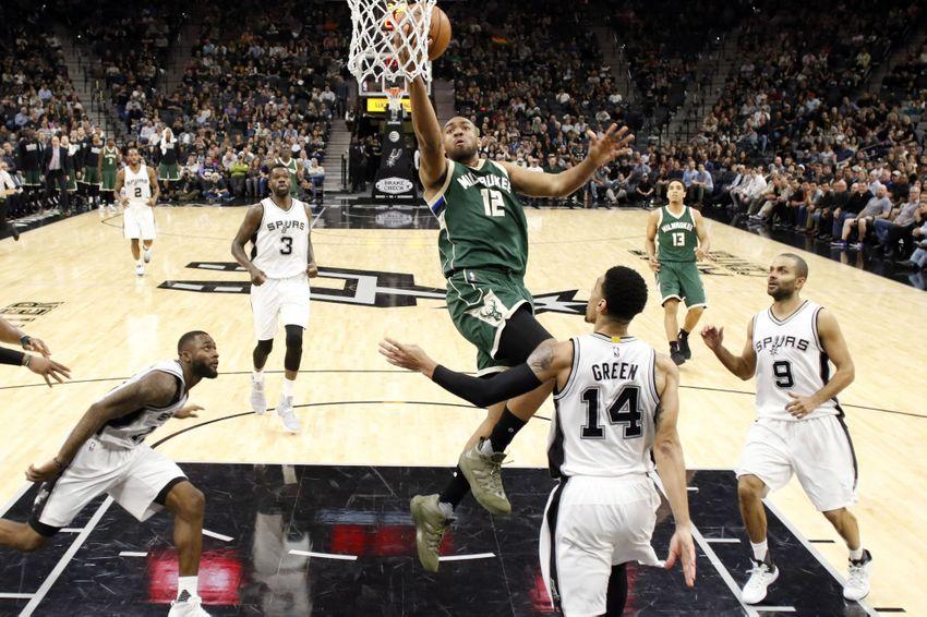 Milwaukee Bucks: Jabari Parker Producing Without Giannis Antetokounmpo