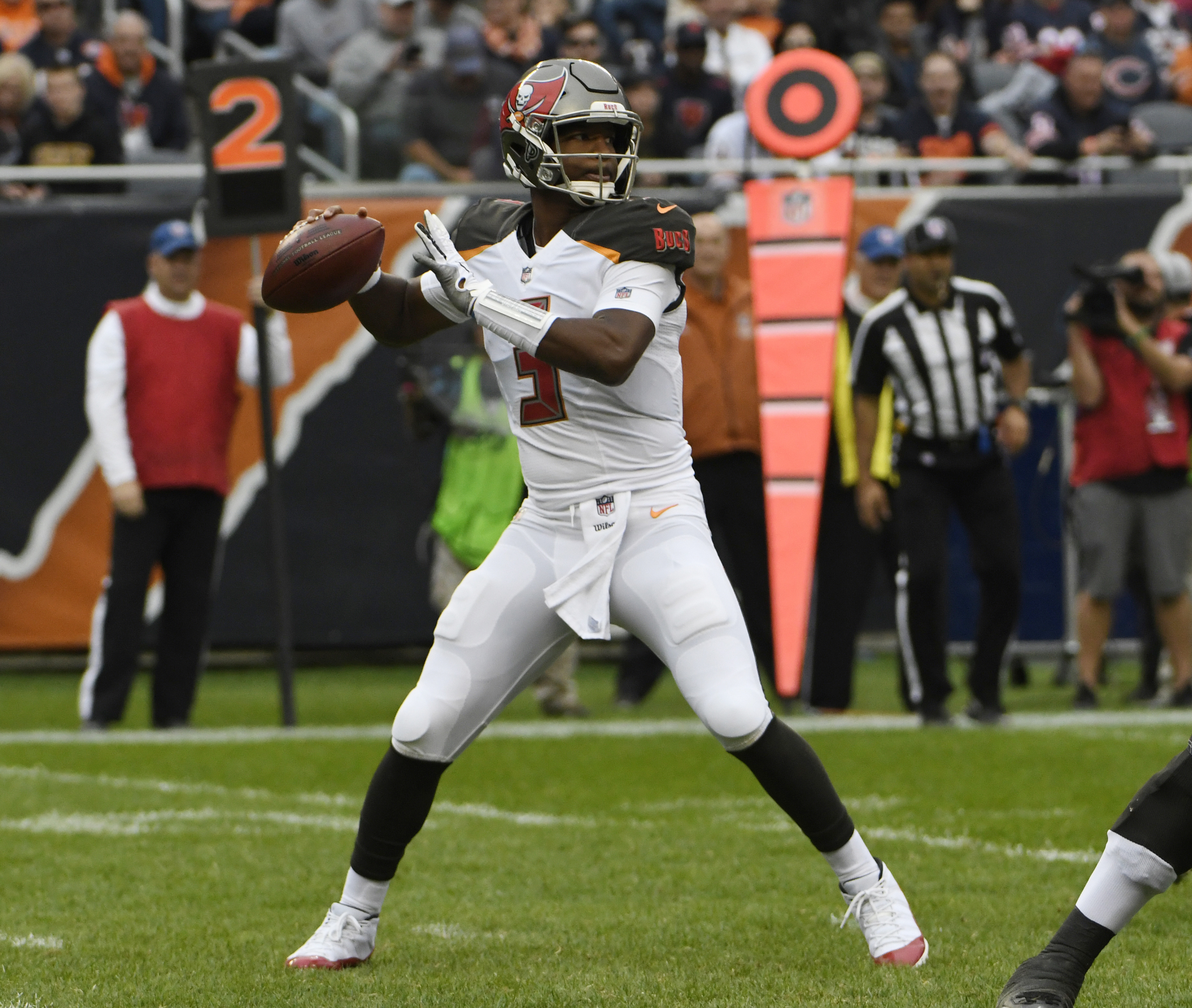 FANTASY PLAYS: Burning questions for Week 6 in football
