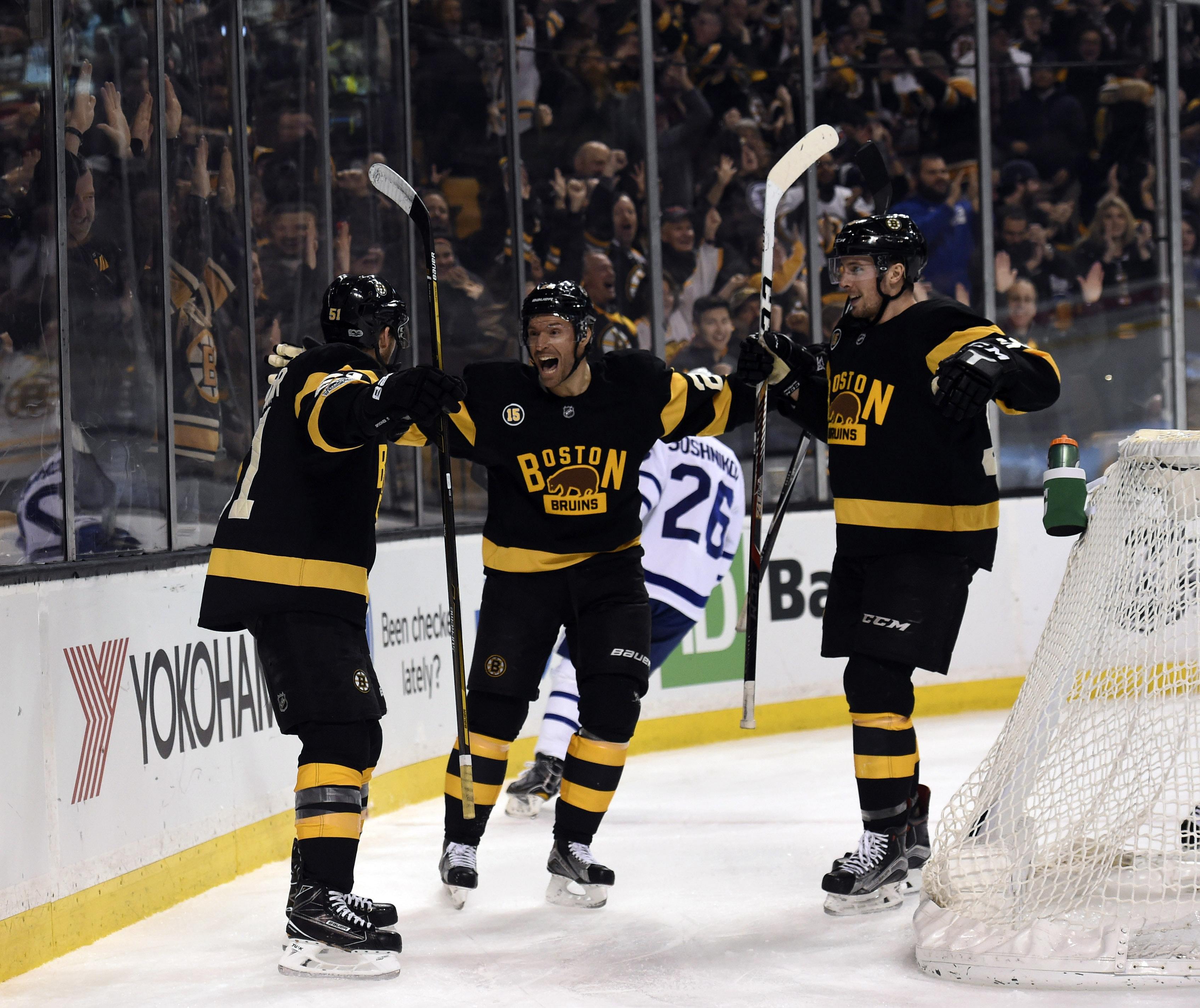 NHL Daily: Travis Hamonic, Ryan Spooner, Chicago Blackhawks