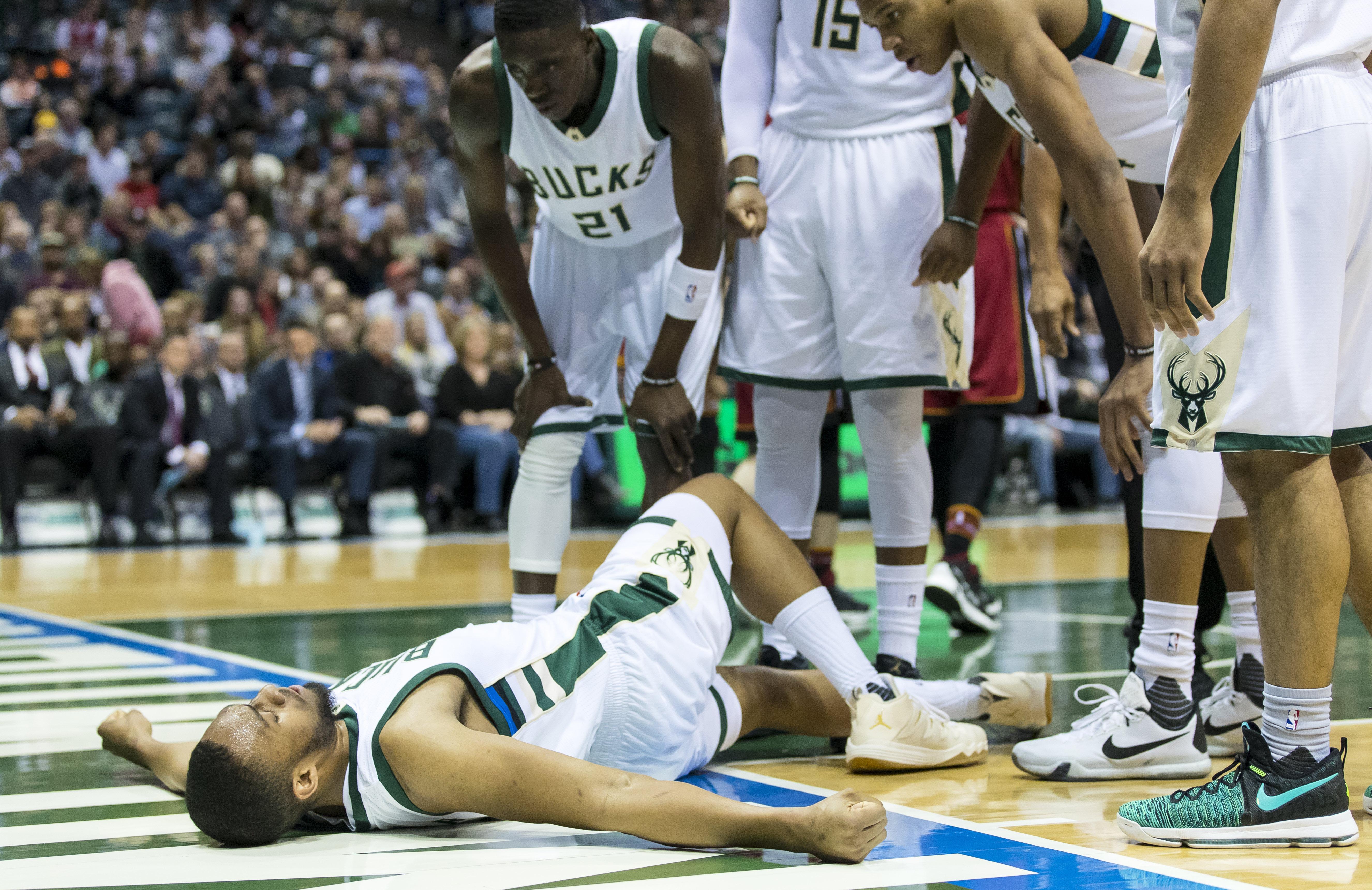 Milwaukee Bucks Daily: Jabari Parker Injured, Oshkosh D-League Announcement