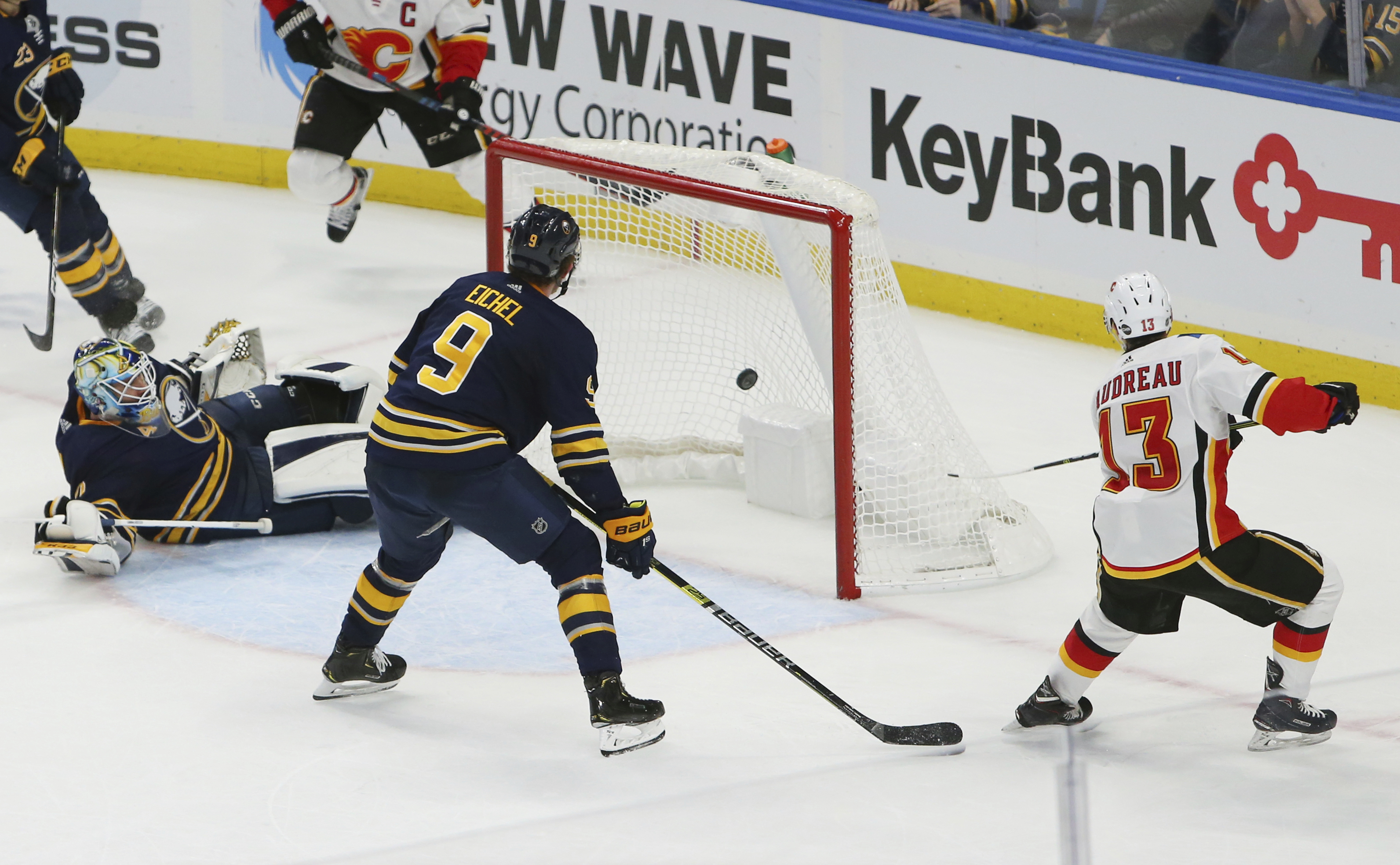 Tkachuk scores late, Gaudreau in OT as Flames beat Sabres