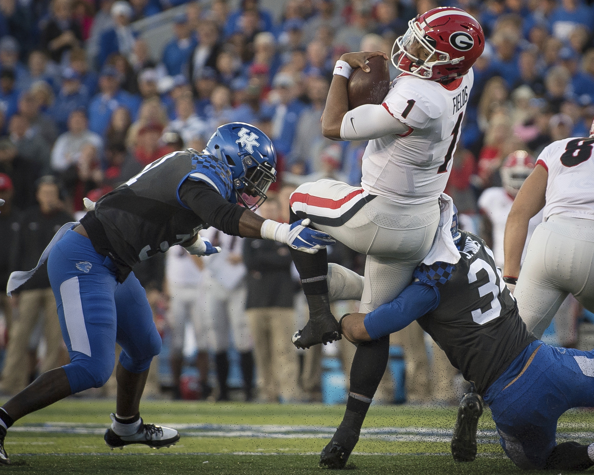 Kentucky needs to replace 8 starters off dominant defense