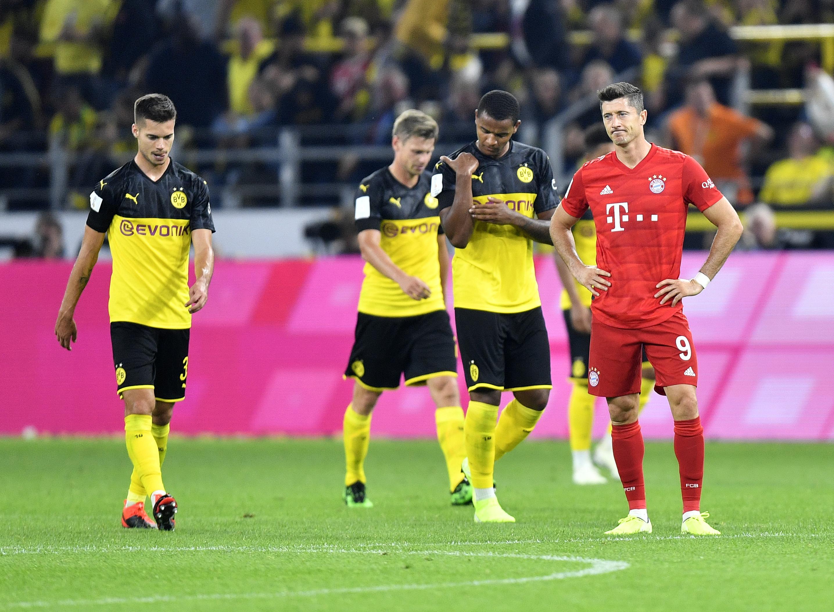 Lewandowski questions Bayern's transfer policy after defeat