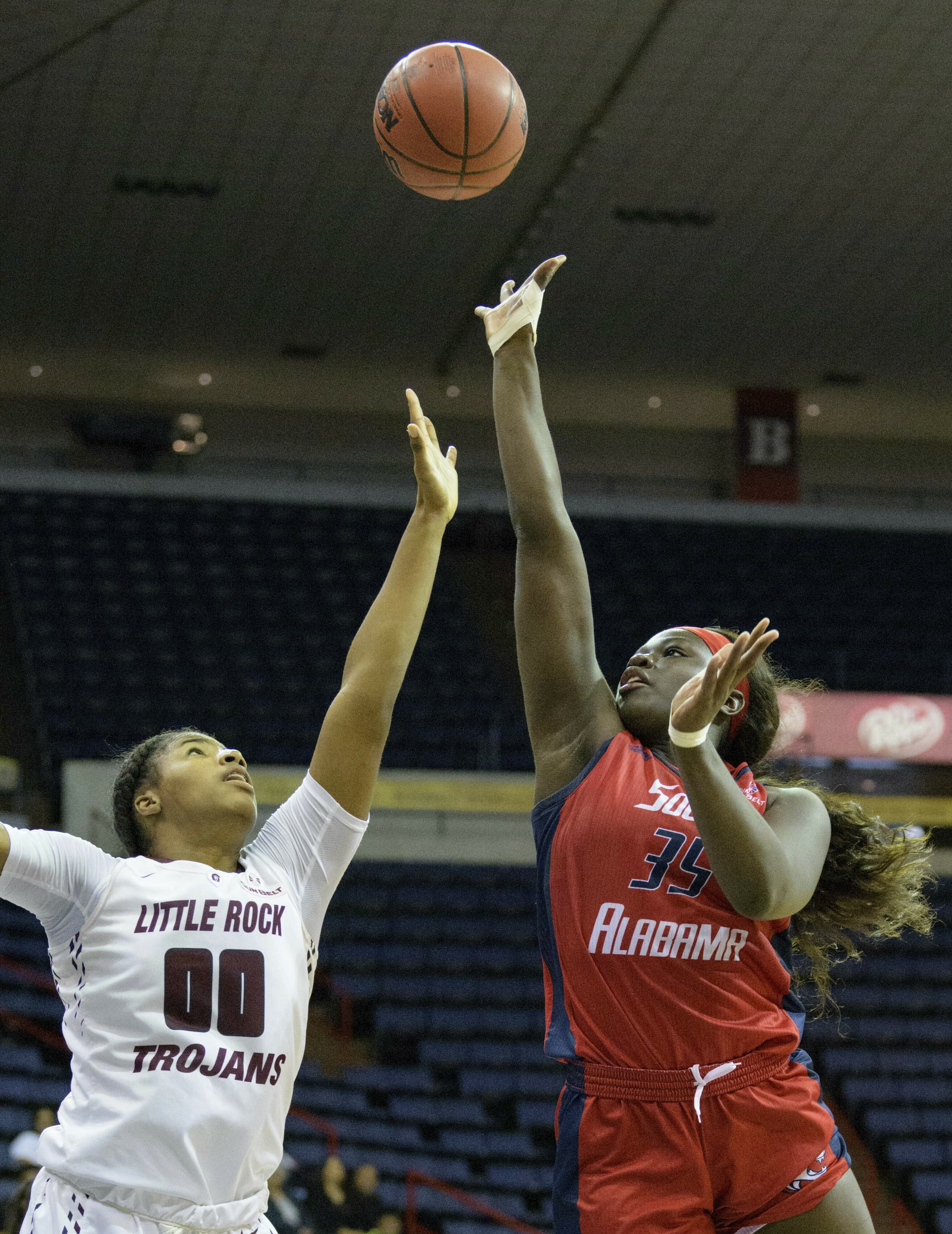 Collier lifts Little Rock women to NCAAs