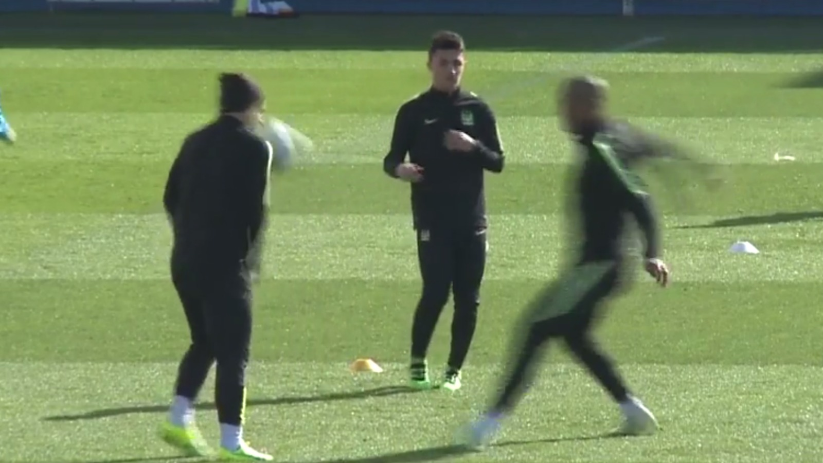 Vincent Kompany tried to decapitate Sergio Aguero in training