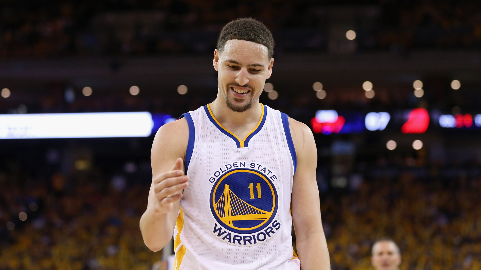 Warriors rally for 2-0 lead on Blazers; Curry could be back for Game 3
