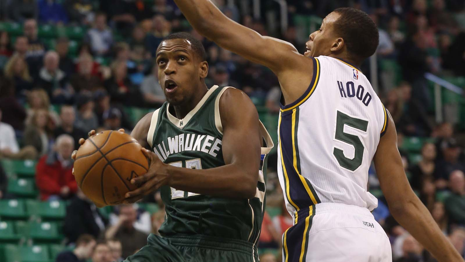 Bucks battle to the wire in loss to Jazz