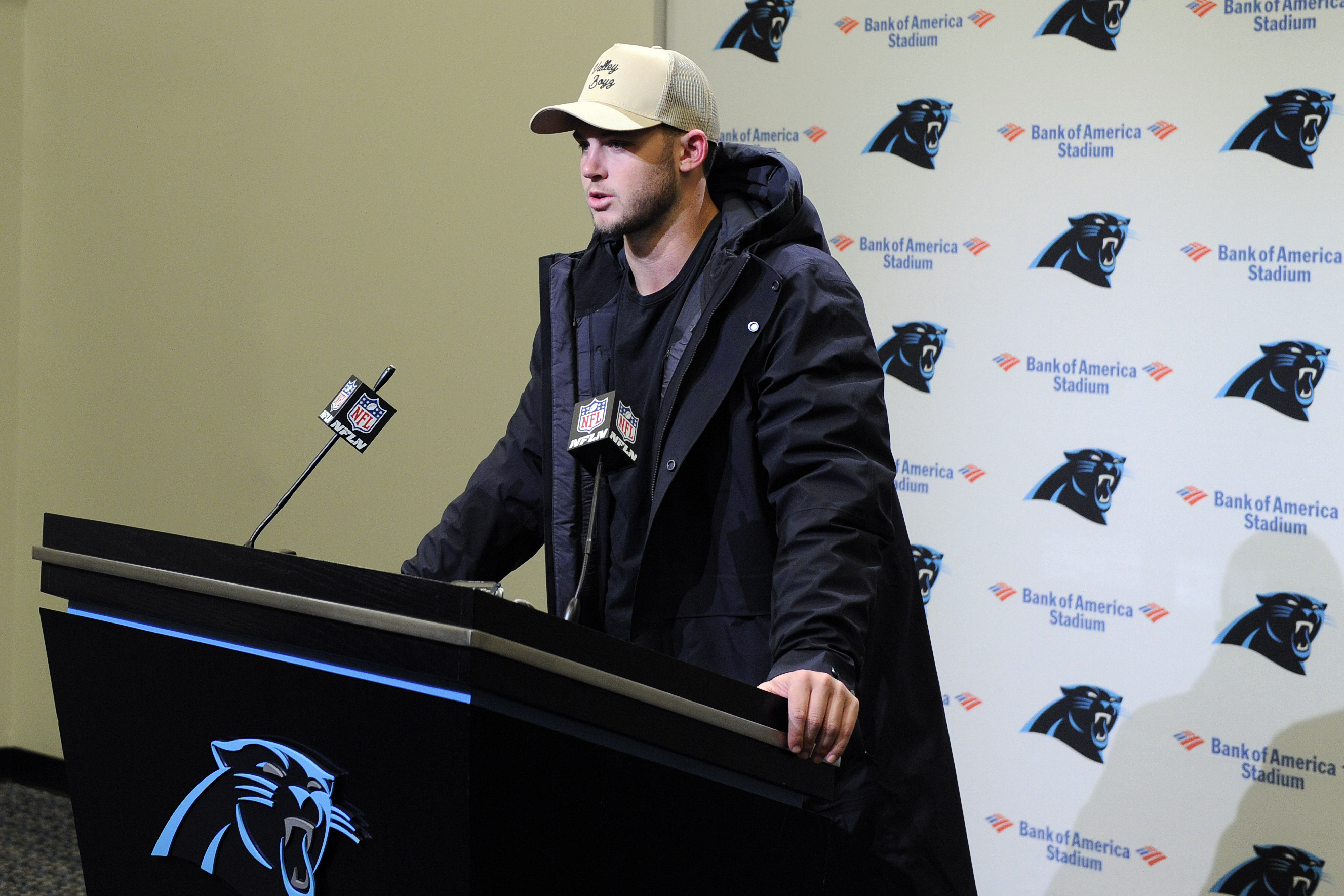 Panthers to stick with Allen at QB instead of playing Grier