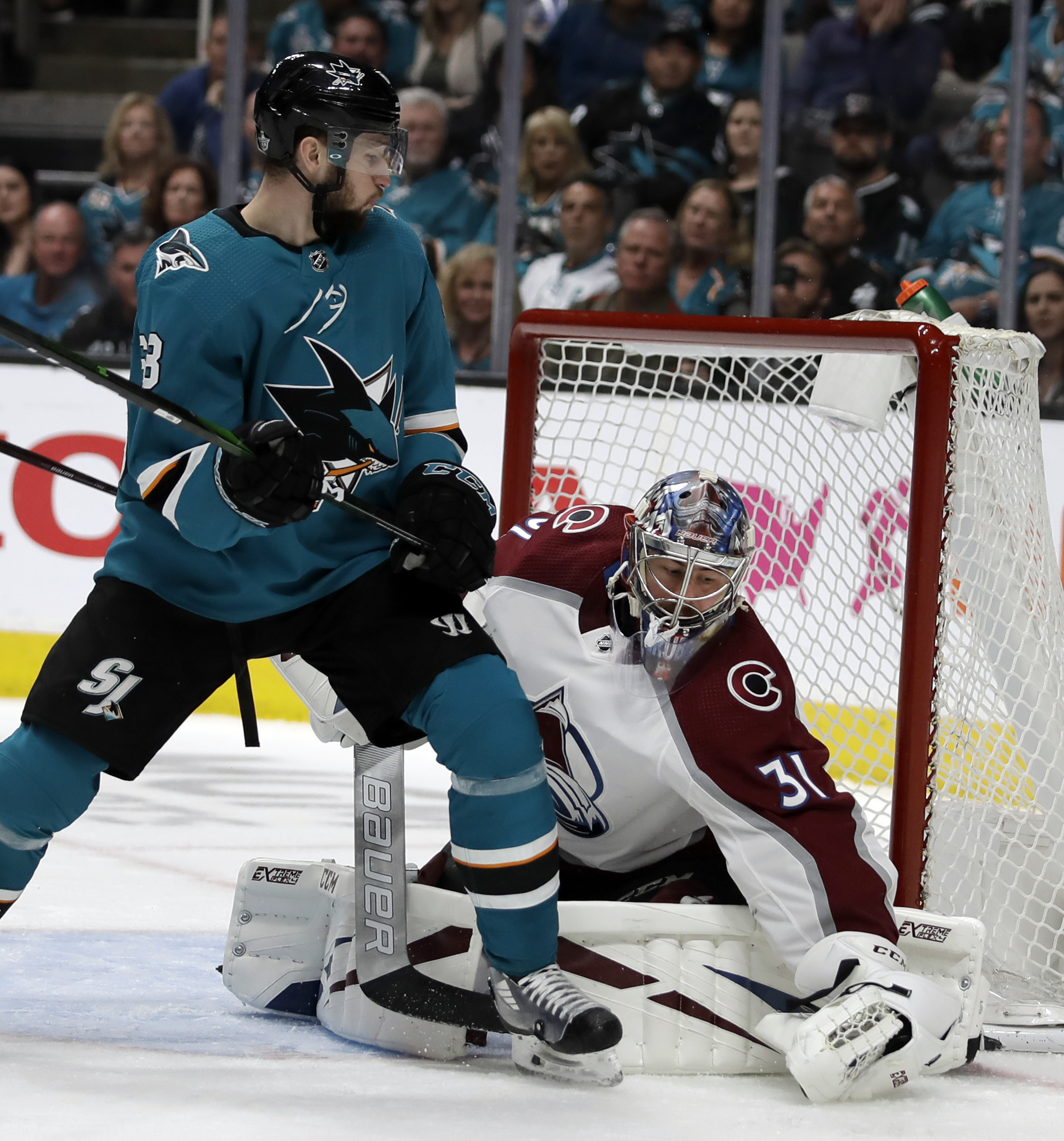 Hertl scores 2 to lead Sharks past Avalanche 2-1 in Game 5