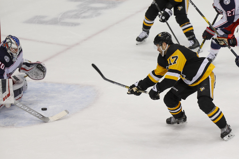 Rust scores OT winner, leads Penguins past Blue Jackets 1-0