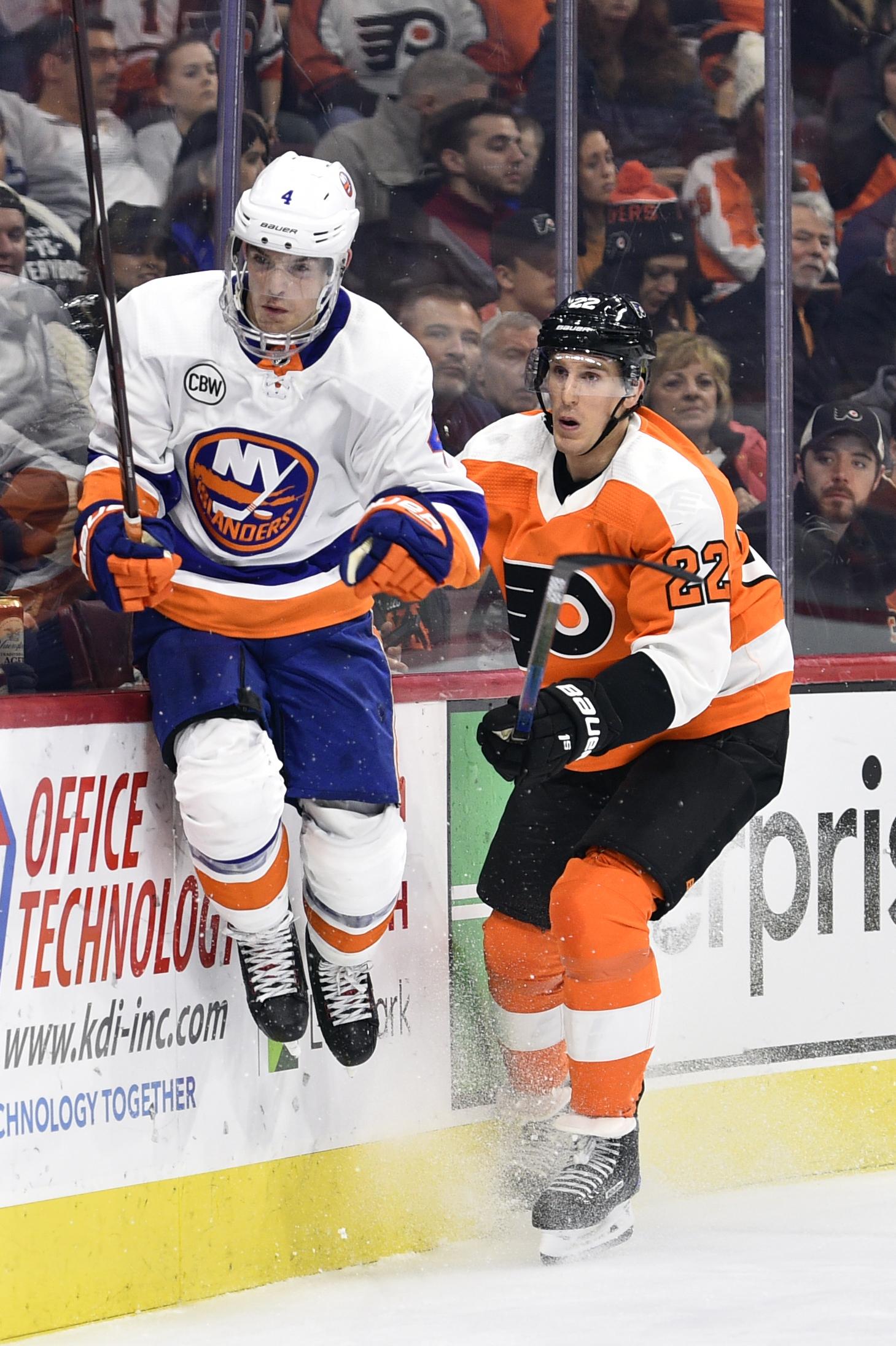 Nelson helps Islanders beat Flyers 6-1