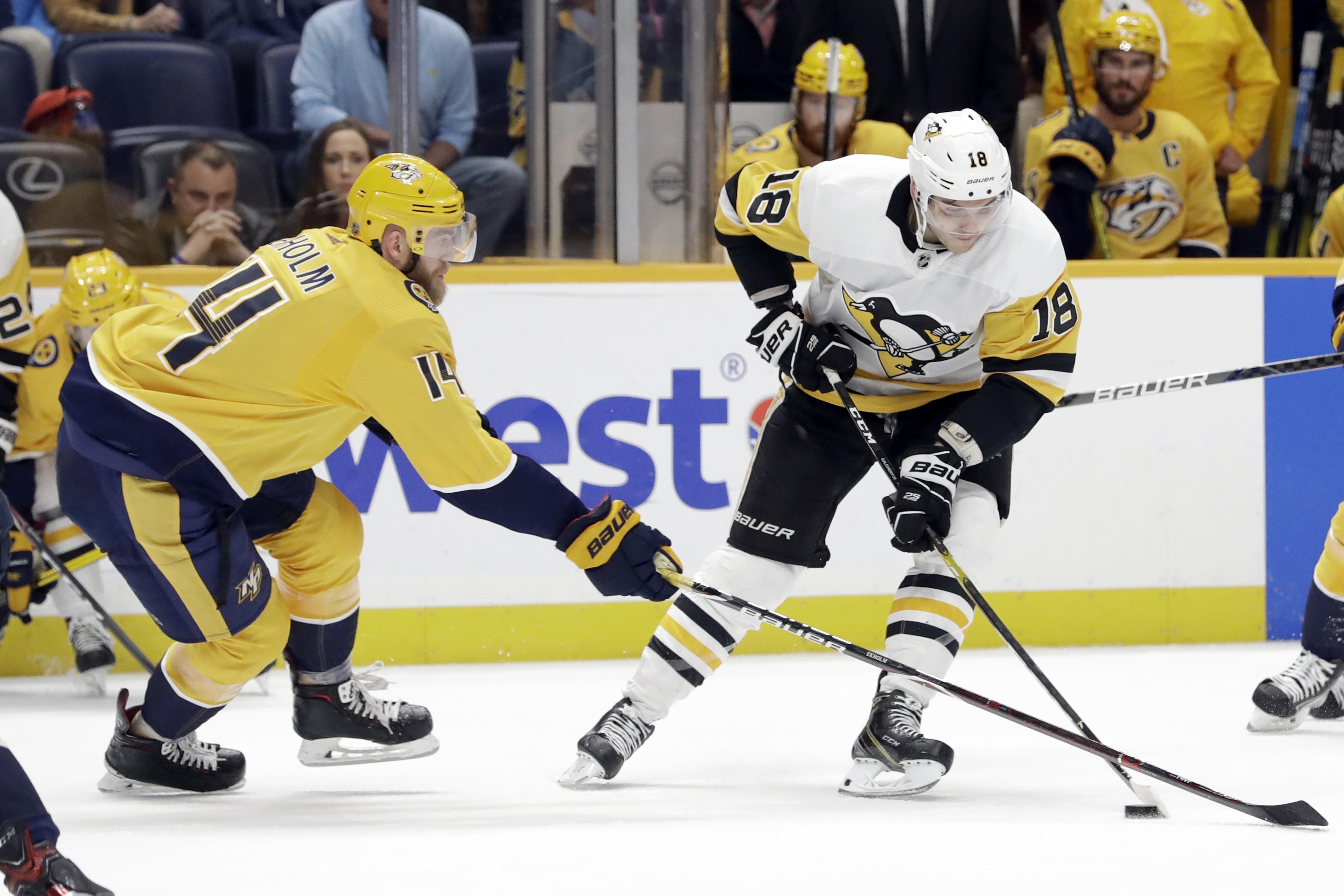 Galchenyuk scores, Penguins thump ailing Predators 5-2