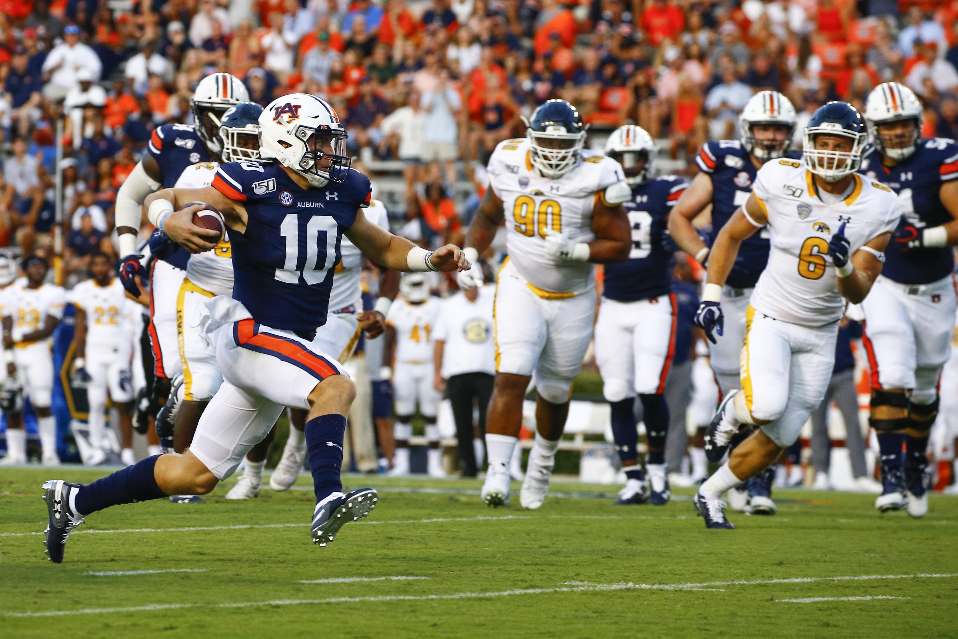 No. 8 Auburn faces big road test at No. 17 Texas A&M