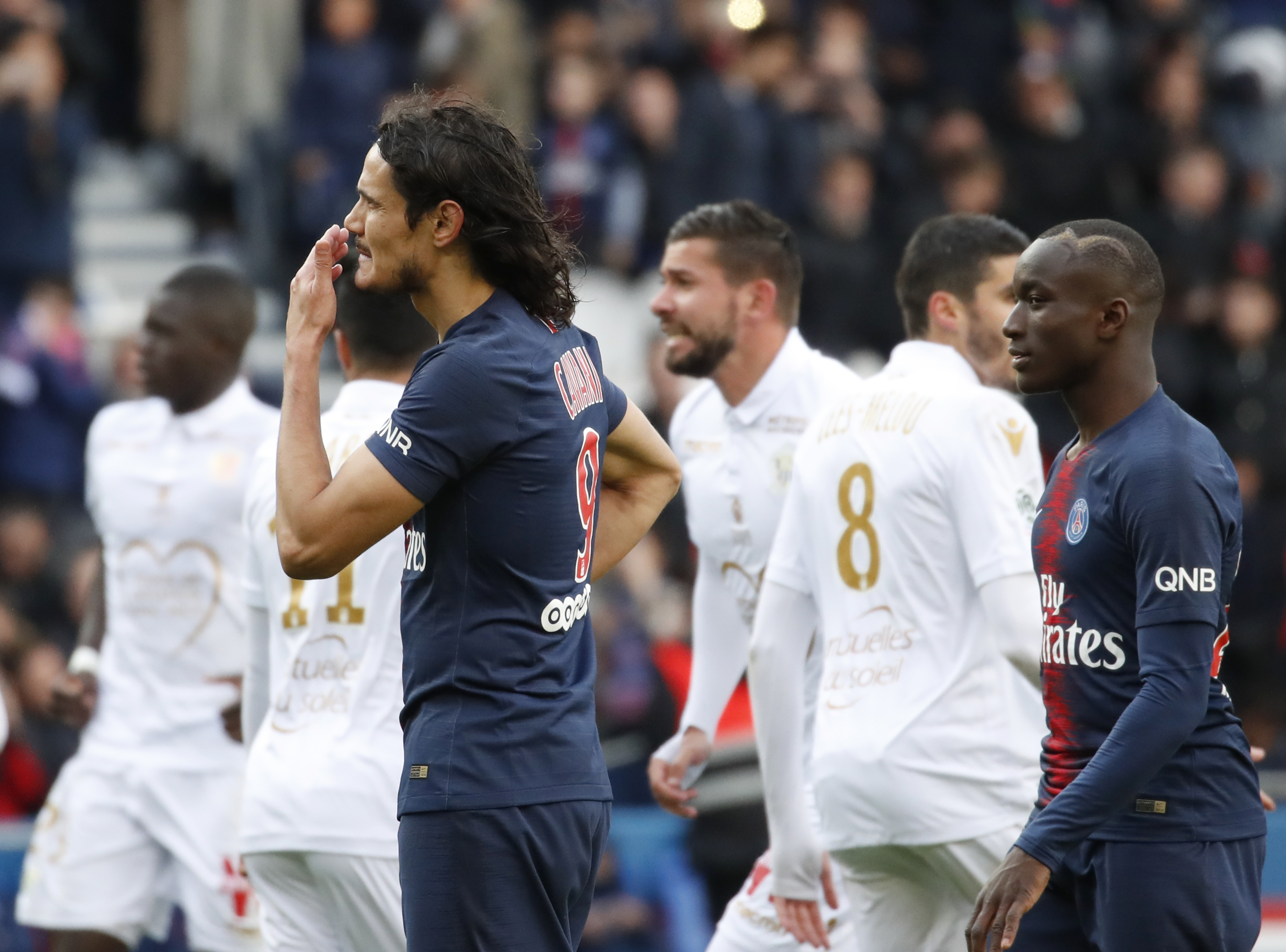 Cavani misses late penalty as French champion PSG draws