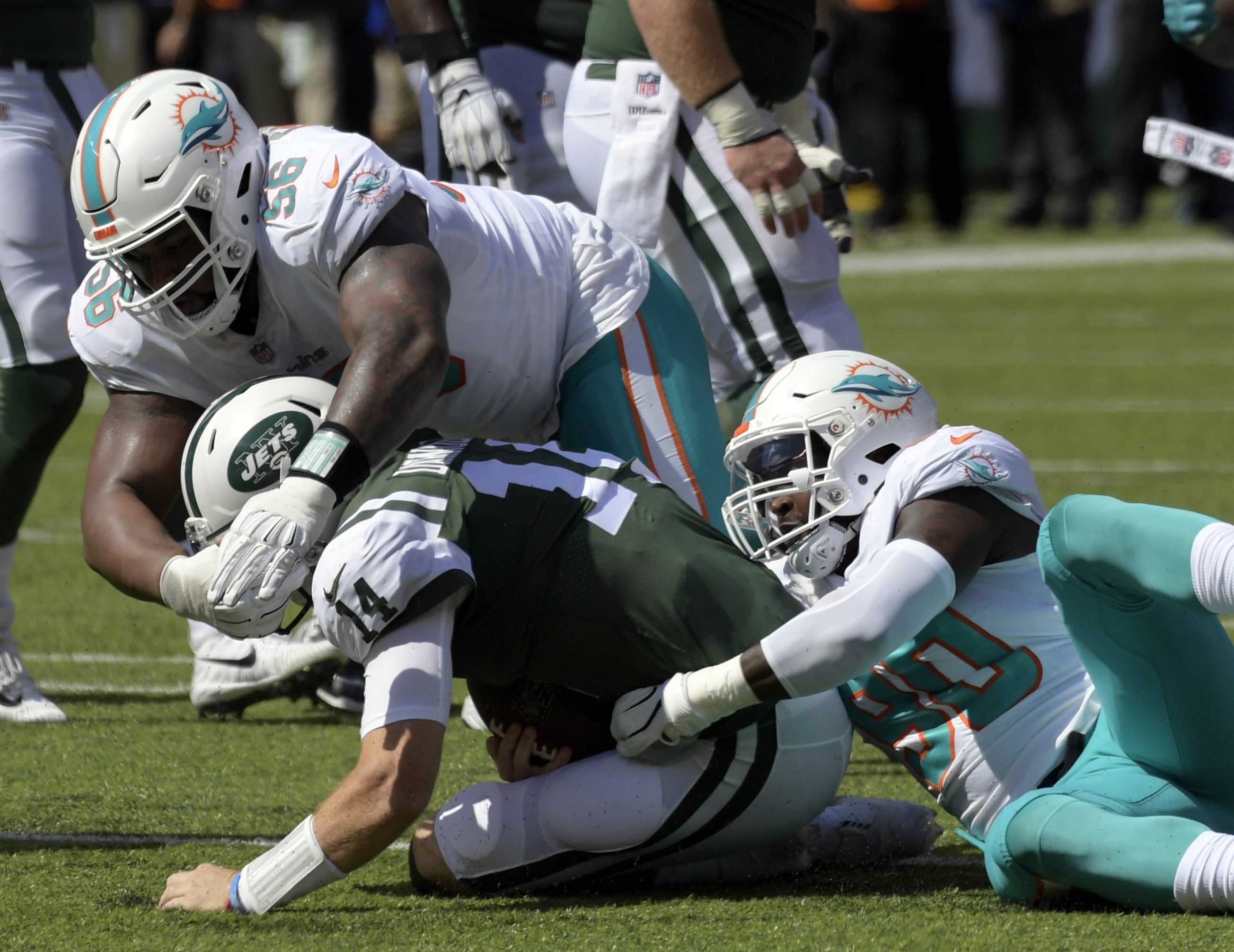 Addition by subtraction? Dolphins aren't missing Suh