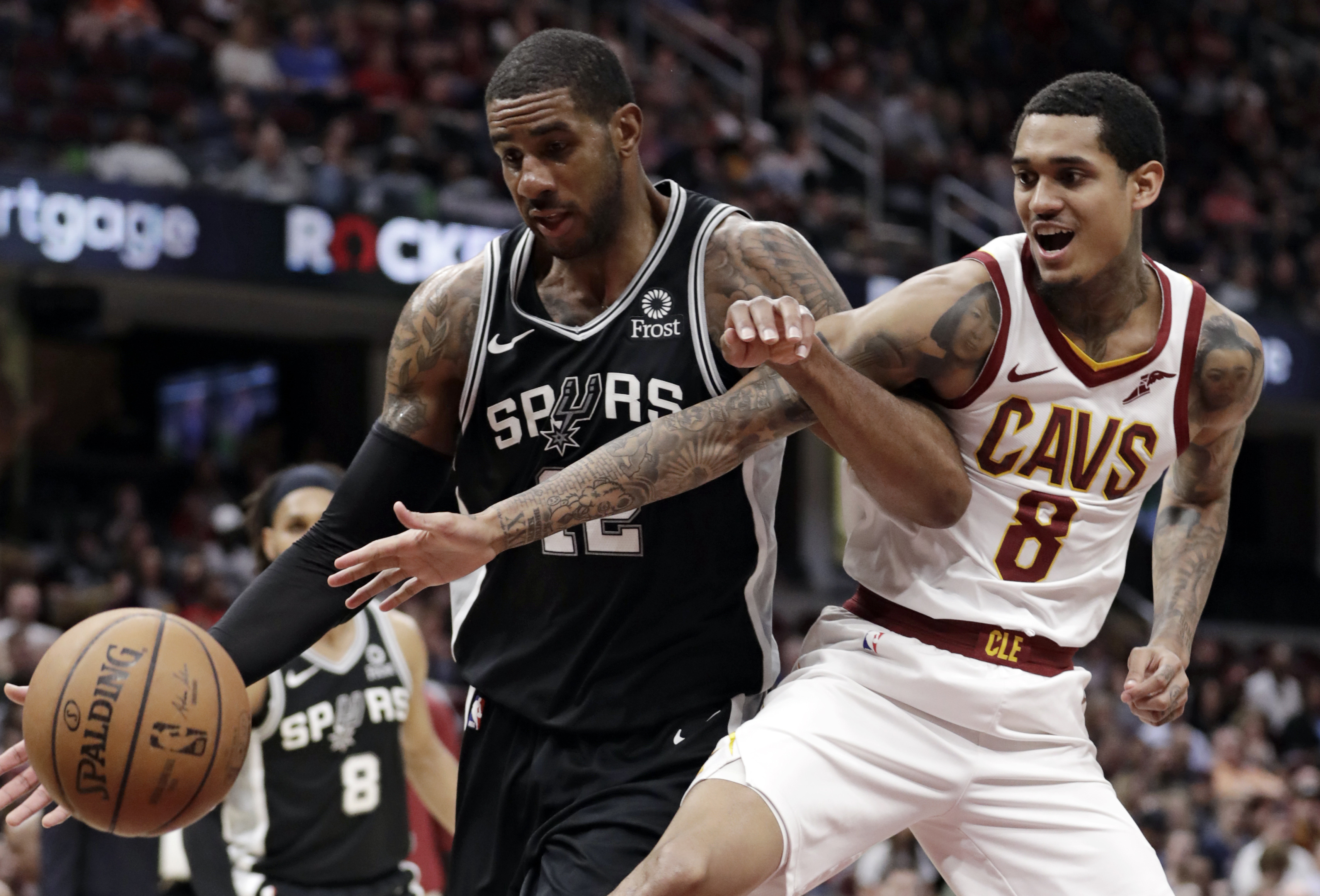 Aldridge's double-double paces Spurs to 112-90 win over Cavs