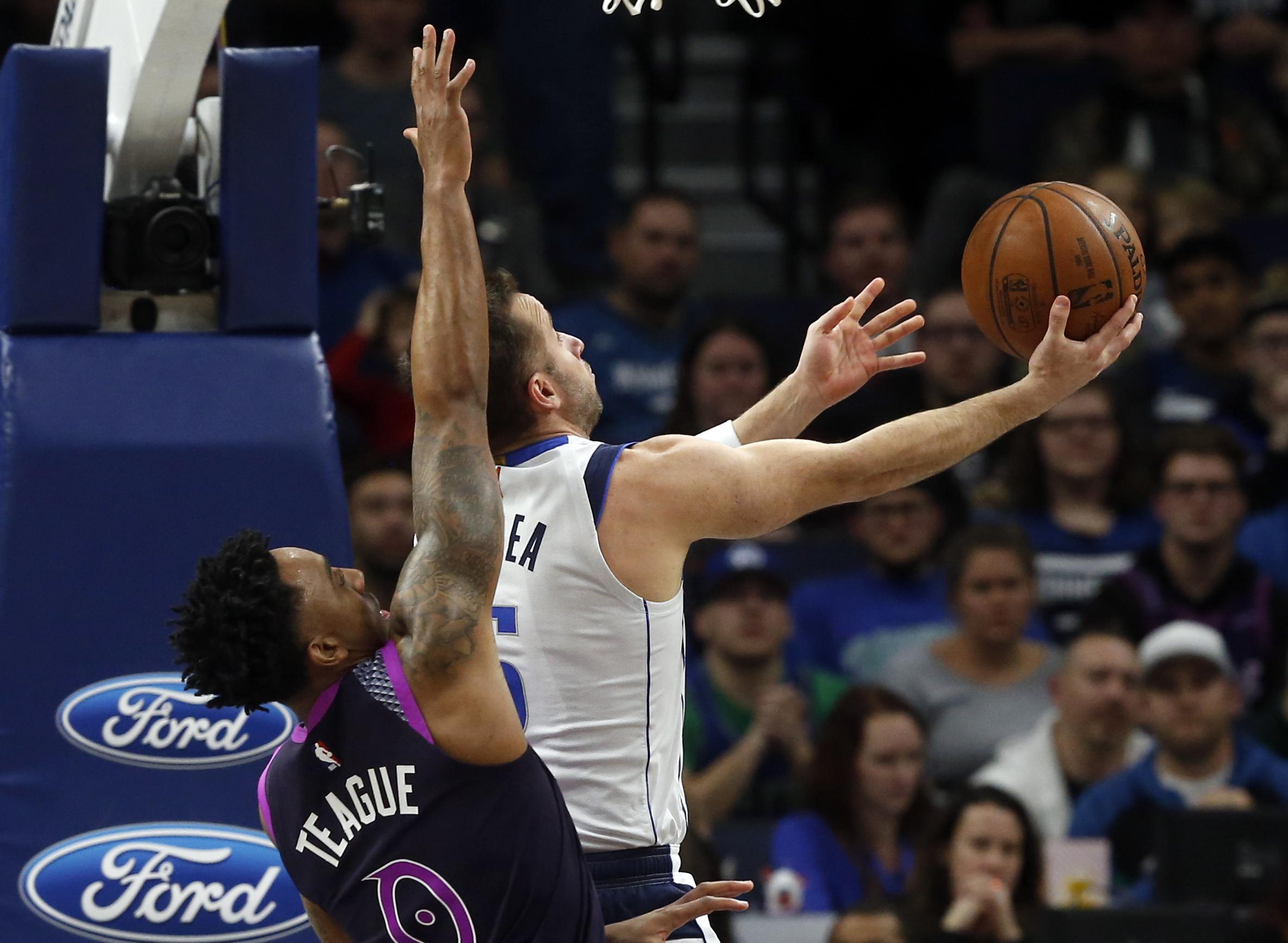 AP source: Mavs' J.J. Barea has season-ending Achilles tear