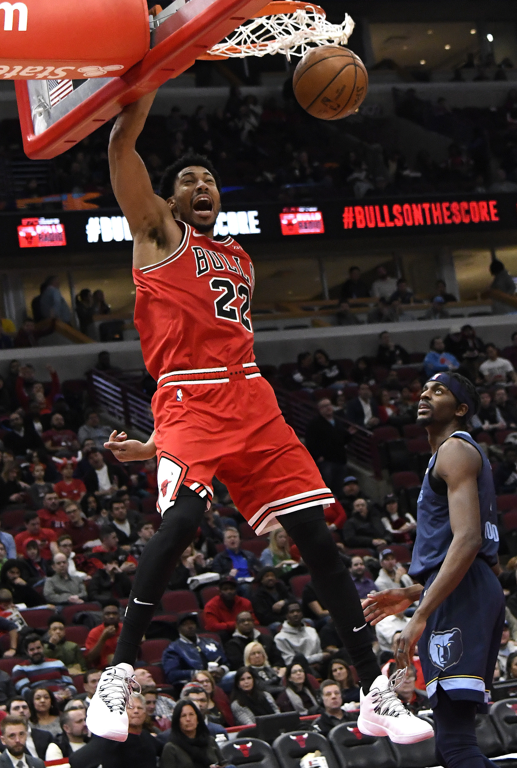 Porter scores career-high 37, Bulls beat Grizzlies 122-110