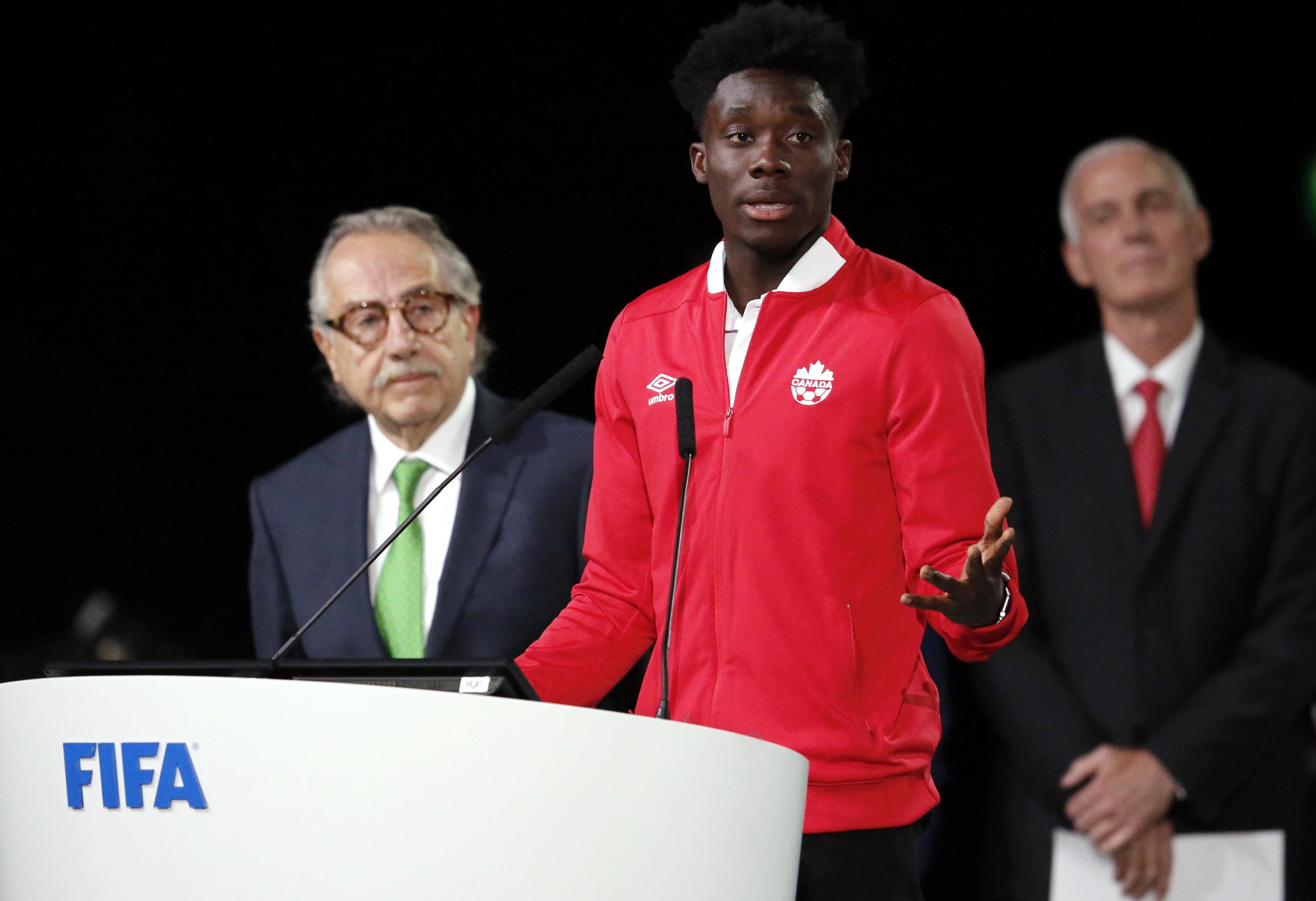 Starring role beckons for Alphonso Davies at Bayern Munich