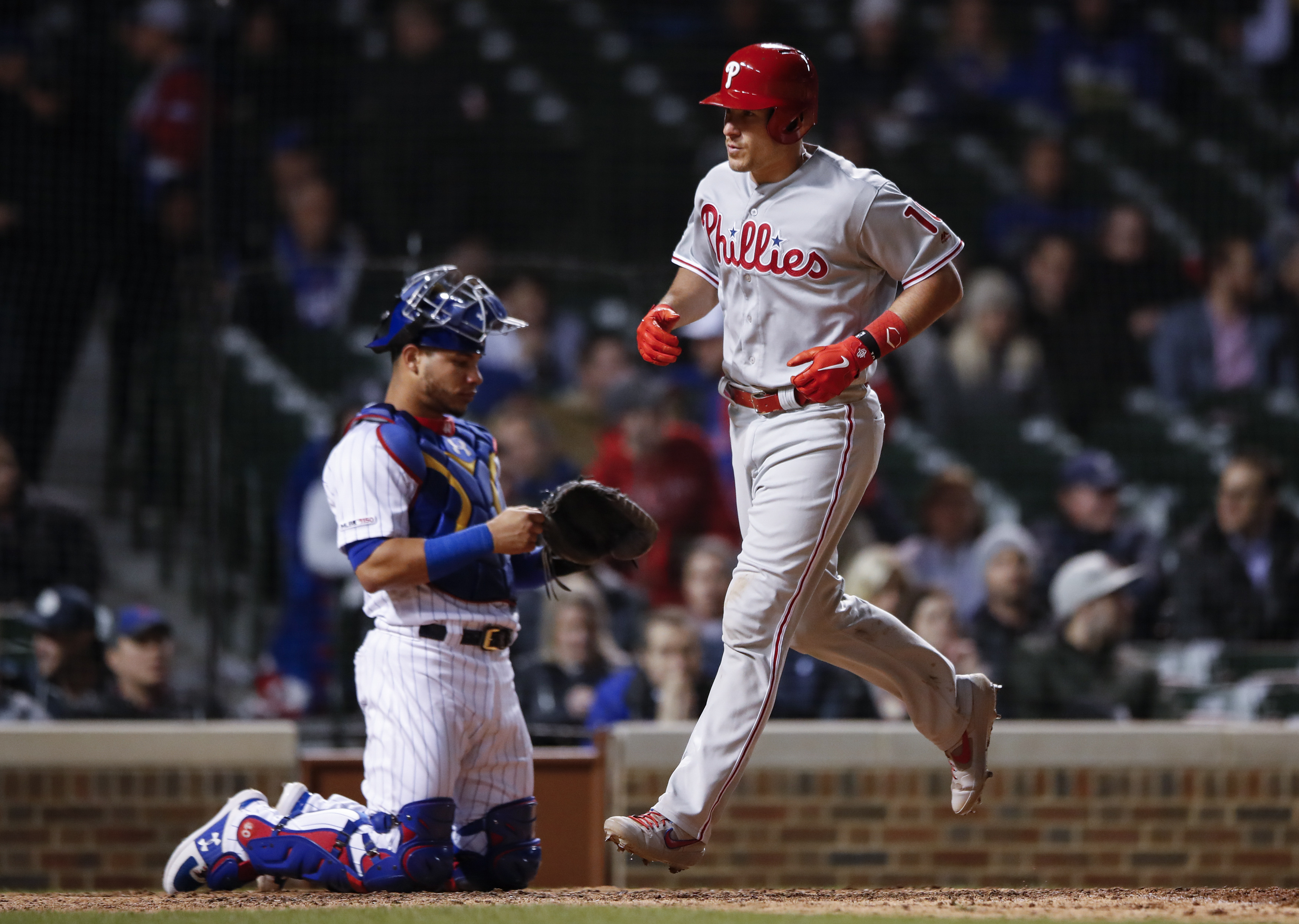 Realmuto homers in 10th, Phillies beat Cubs 5-4