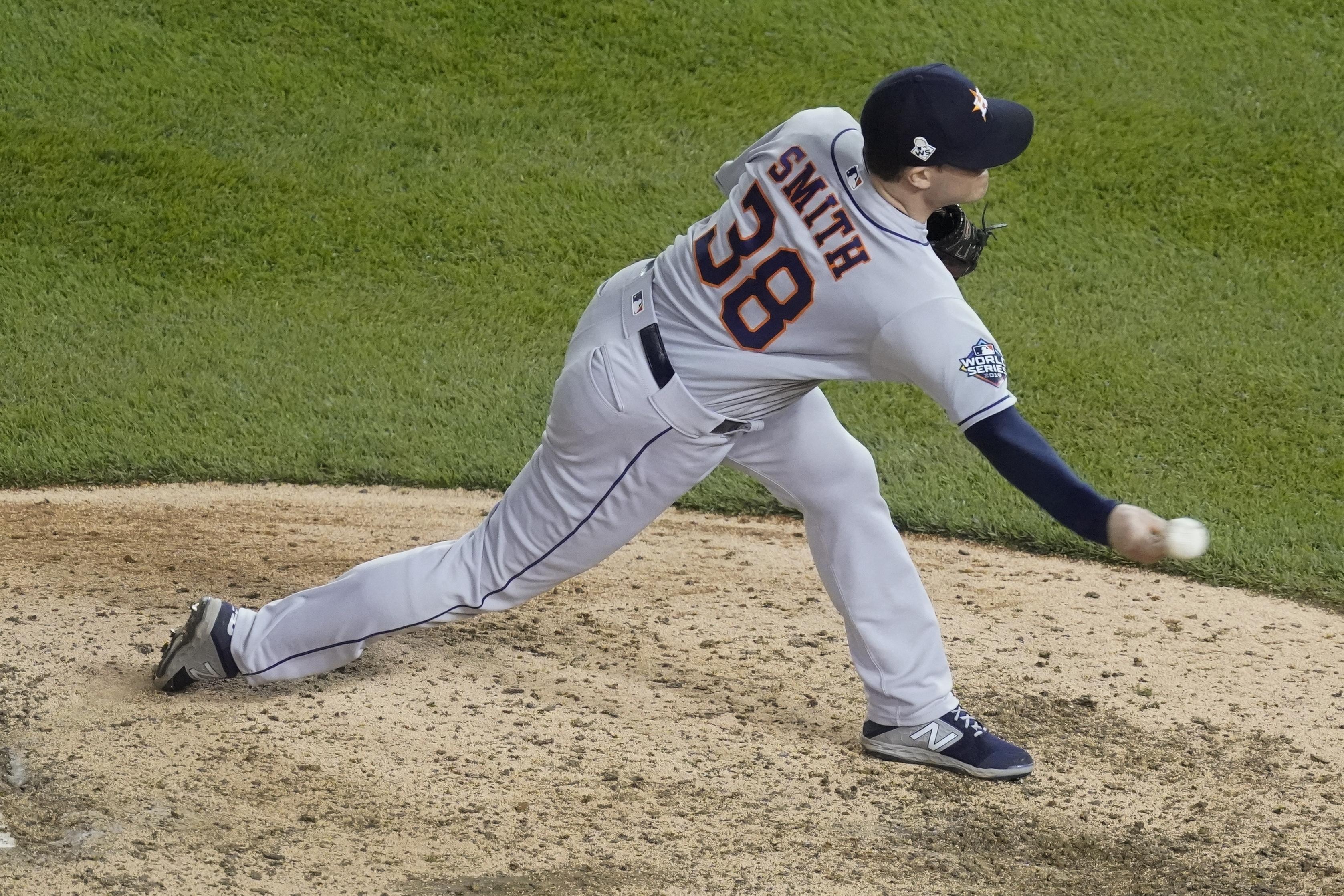 Astros' Joe Smith honors late Tyler Skaggs in World Series