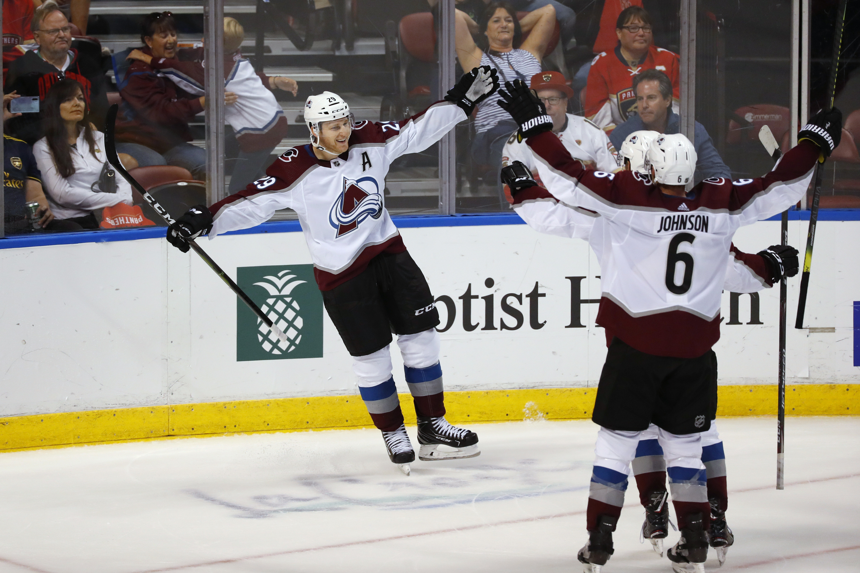Nathan MacKinnon scores in OT, Avalanche beat Panthers 5-4