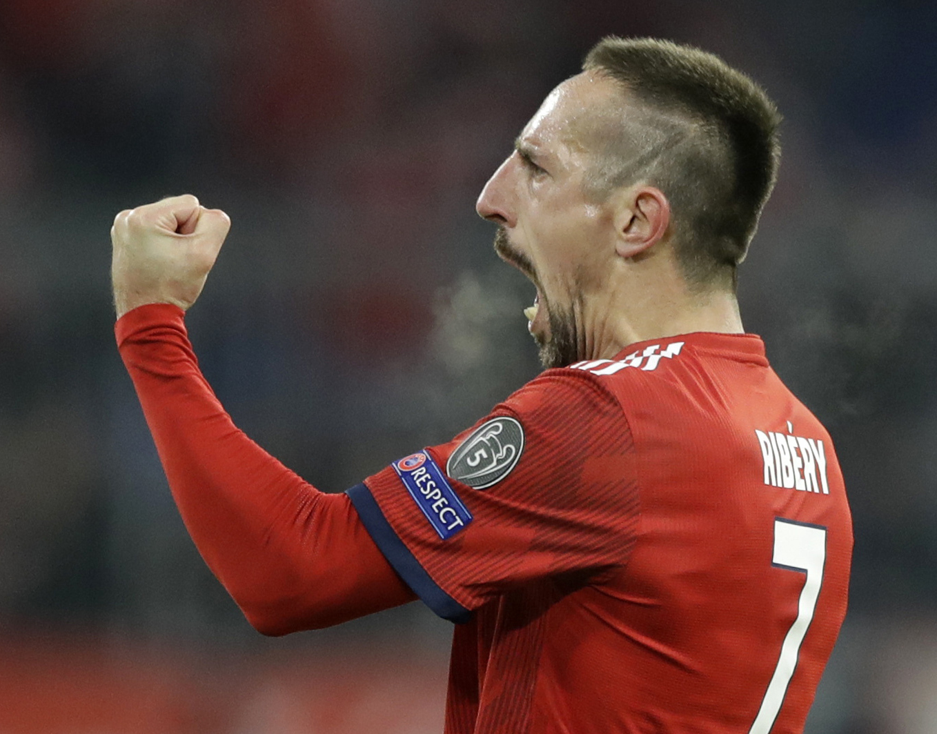 Bayern fines Ribery for offense after gold-leaf steak furor
