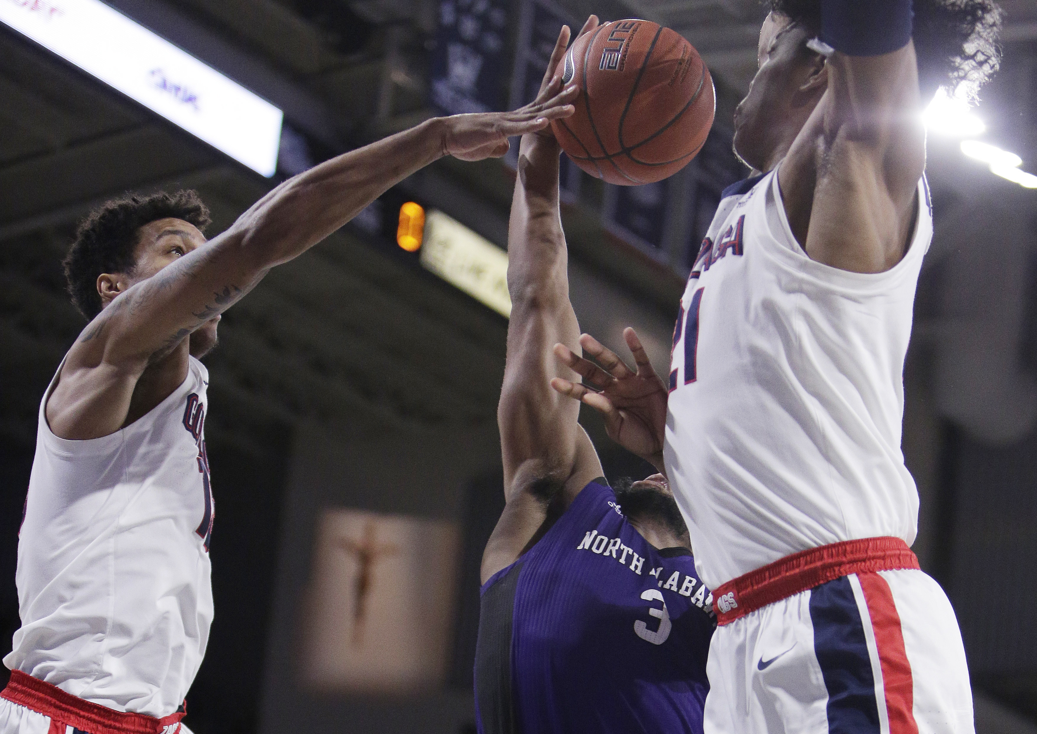 Norvell, Clarke lead No. 7 Gonzaga over North Alabama 96-51