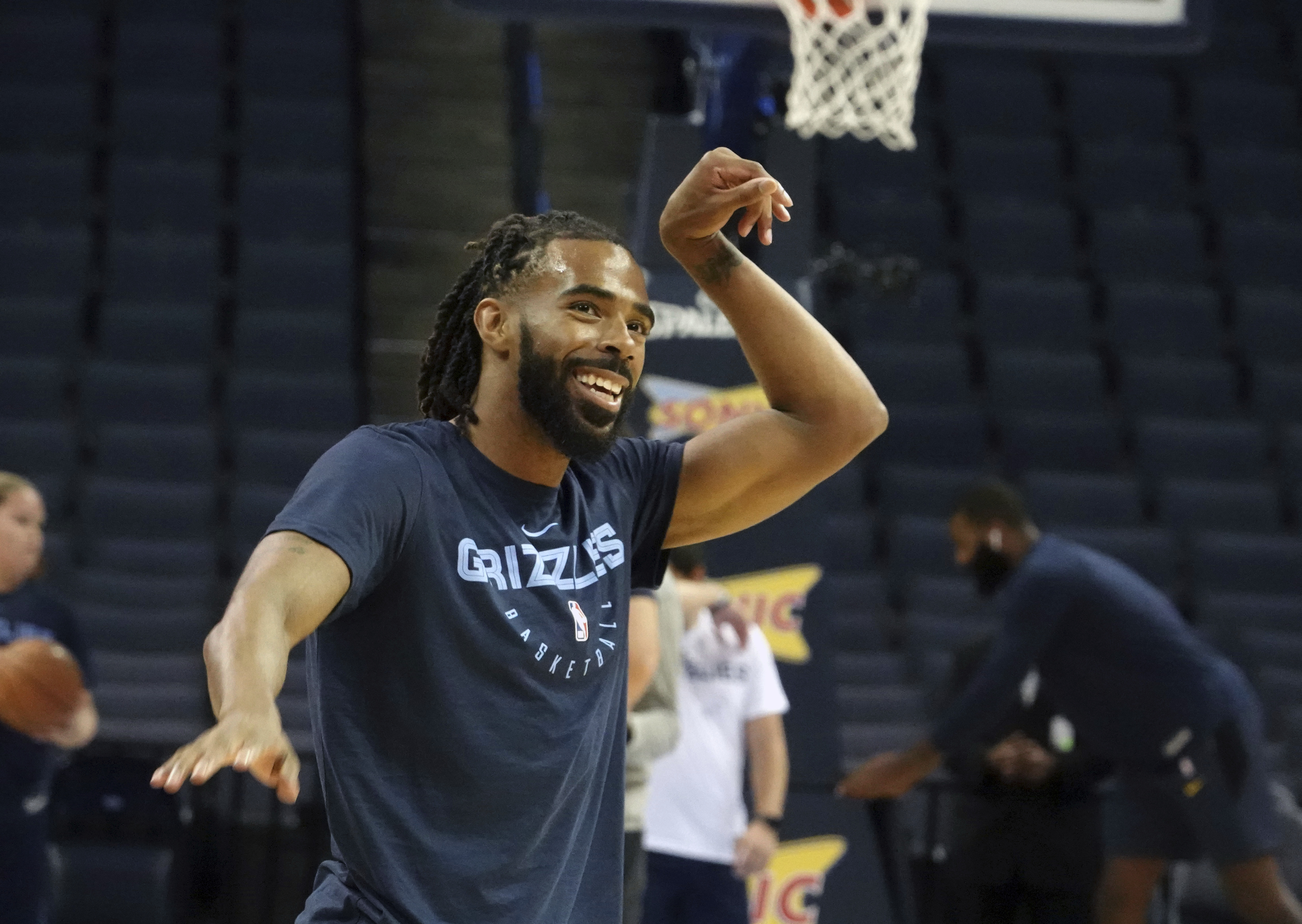 Grizzlies have high expectations with Gasol, healthy Conley
