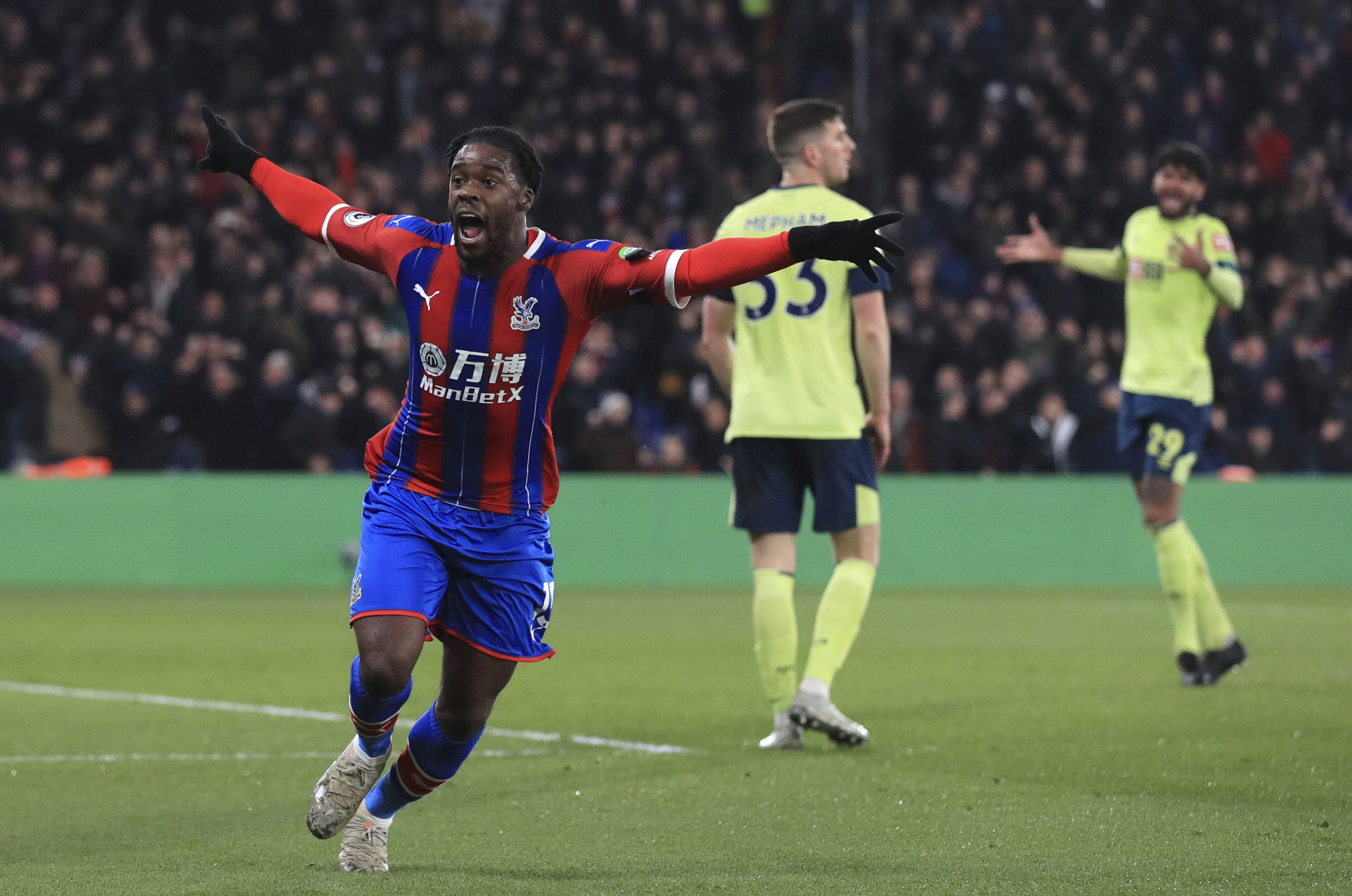 Schlupp gives 10-man Palace 1-0 win over Bournemouth in PL