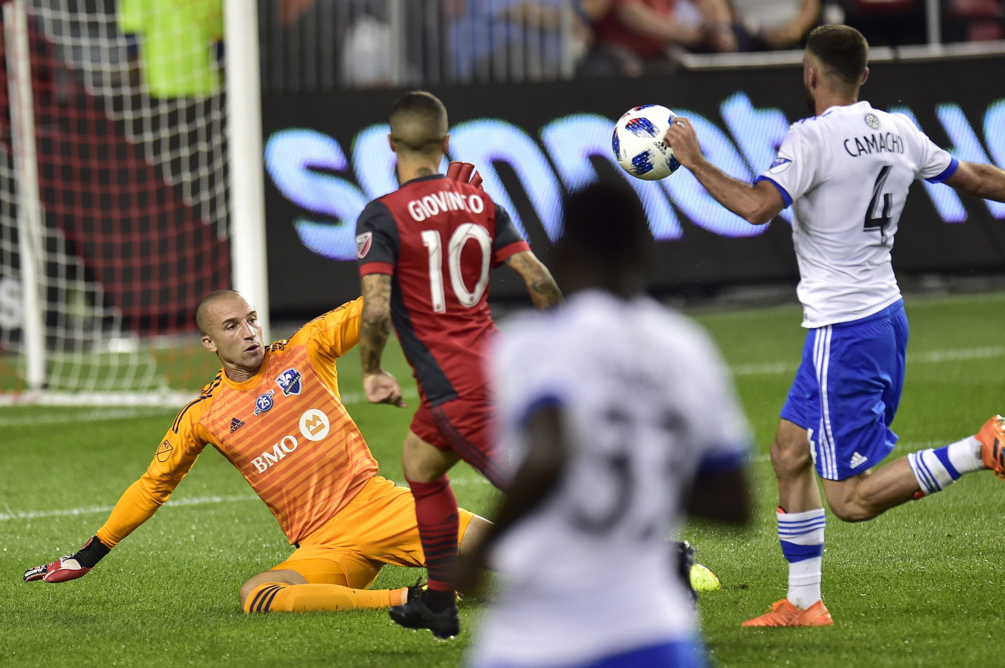 Giovinco has 2 goals in Toronto's 3-1 win over Montreal